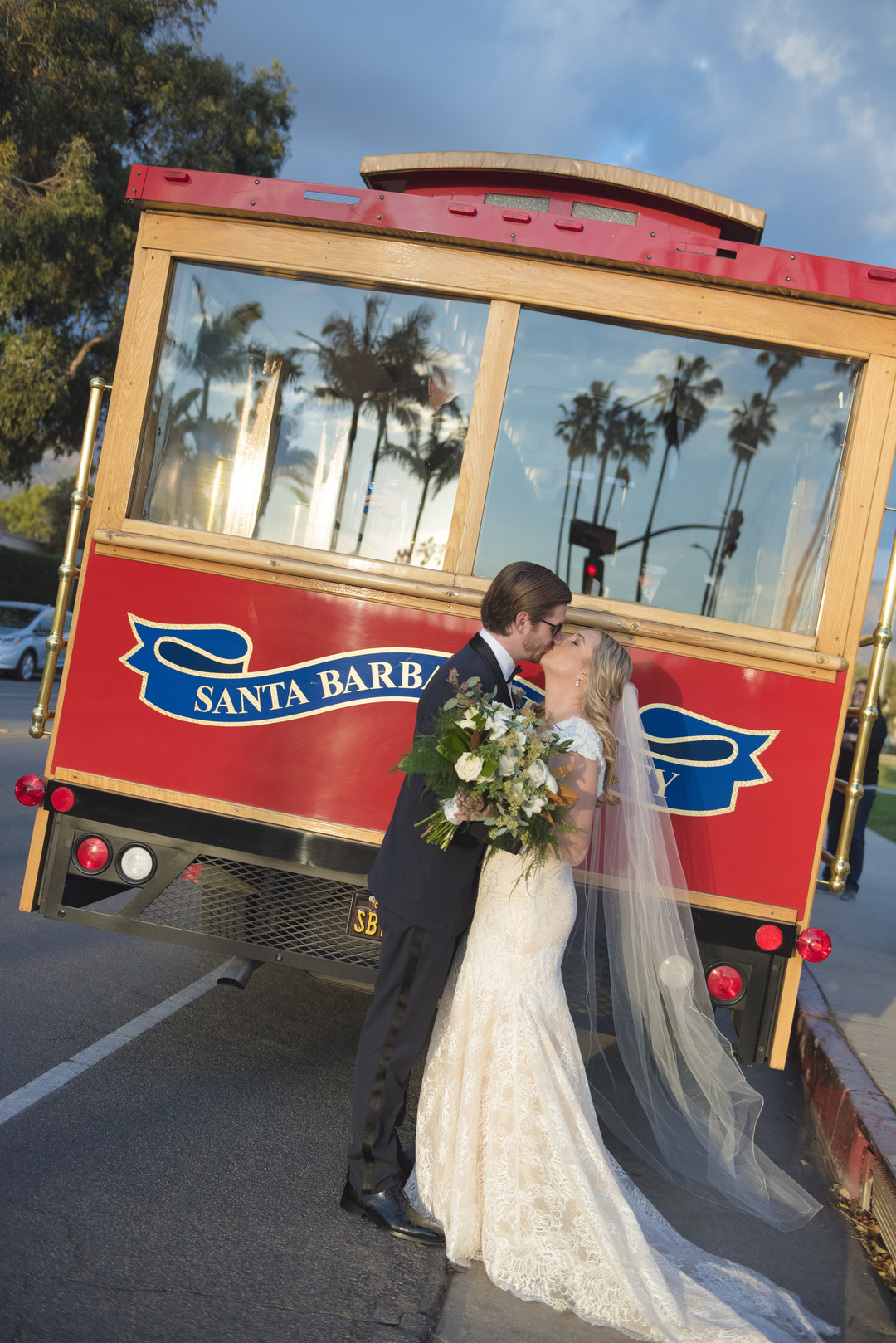 www.santabarbarawedding.com | ByCherry Photo | Hilton Beachfront Resort | Dulce Dia Events | Trolley