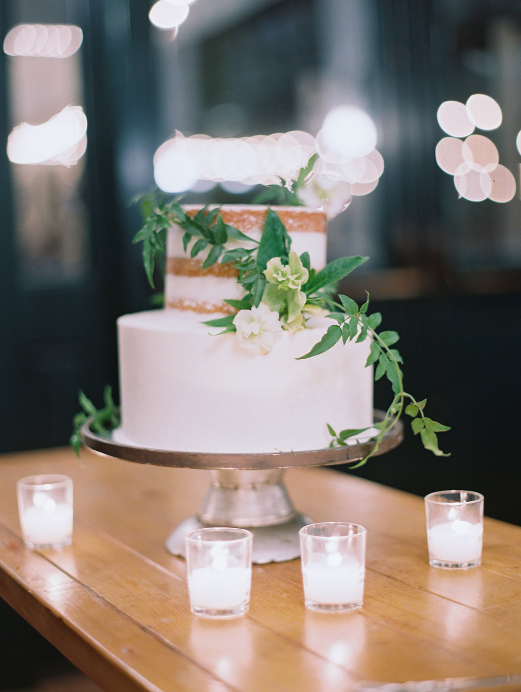www.santabarbarawedding.com | Soleil Events | Mattei's Tavern | Wedding Cake