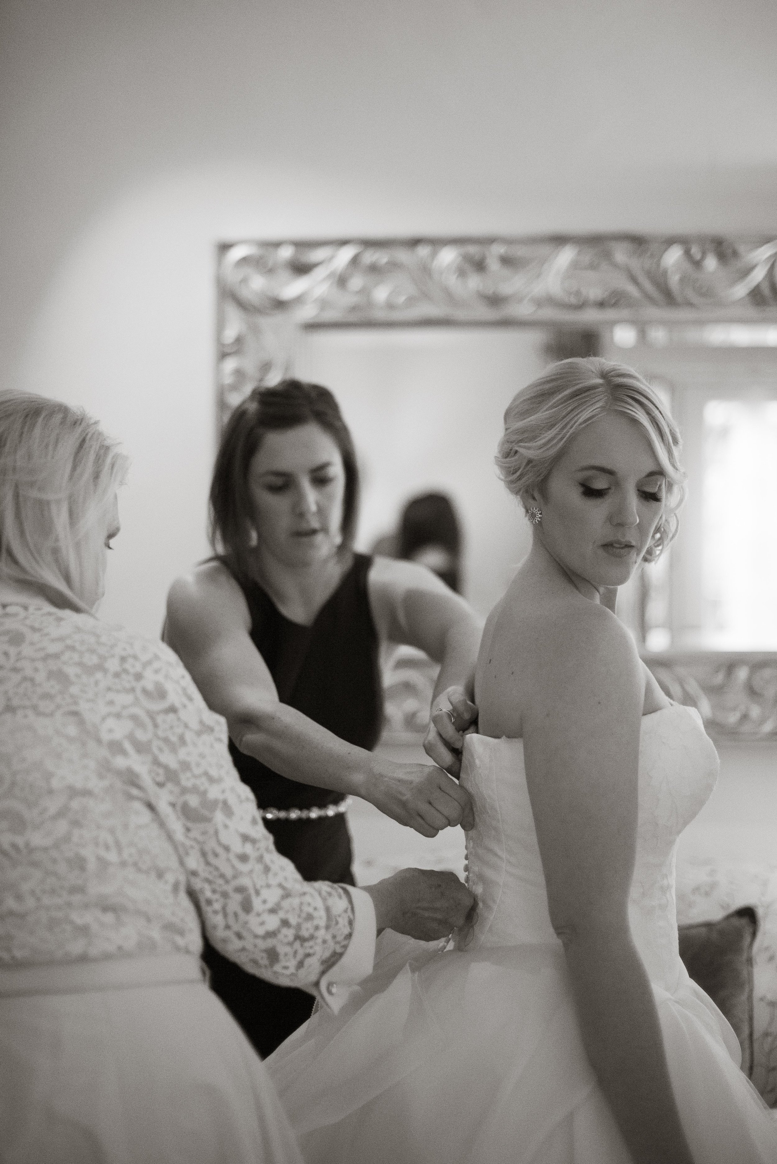 www.santabarbarawedding.com | Nate & Jenny Weddings | Four Seasons Resort The Biltmore | Ann Johnson Events | Bride Getting Ready