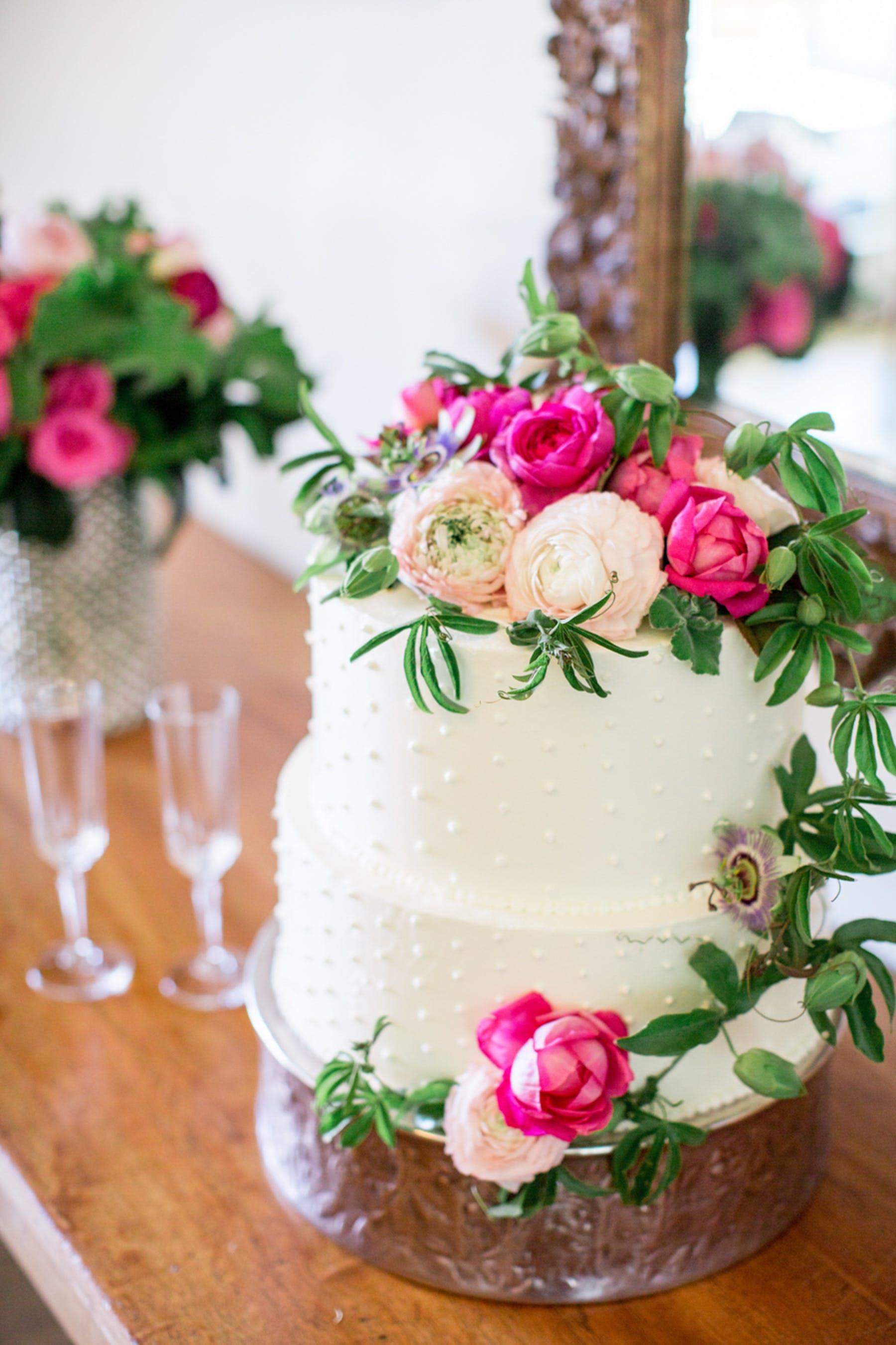www.santabarbarawedding.com | Michael + Anna Costa Photography | San Ysidro Ranch | Twine Events | Wedding Cake