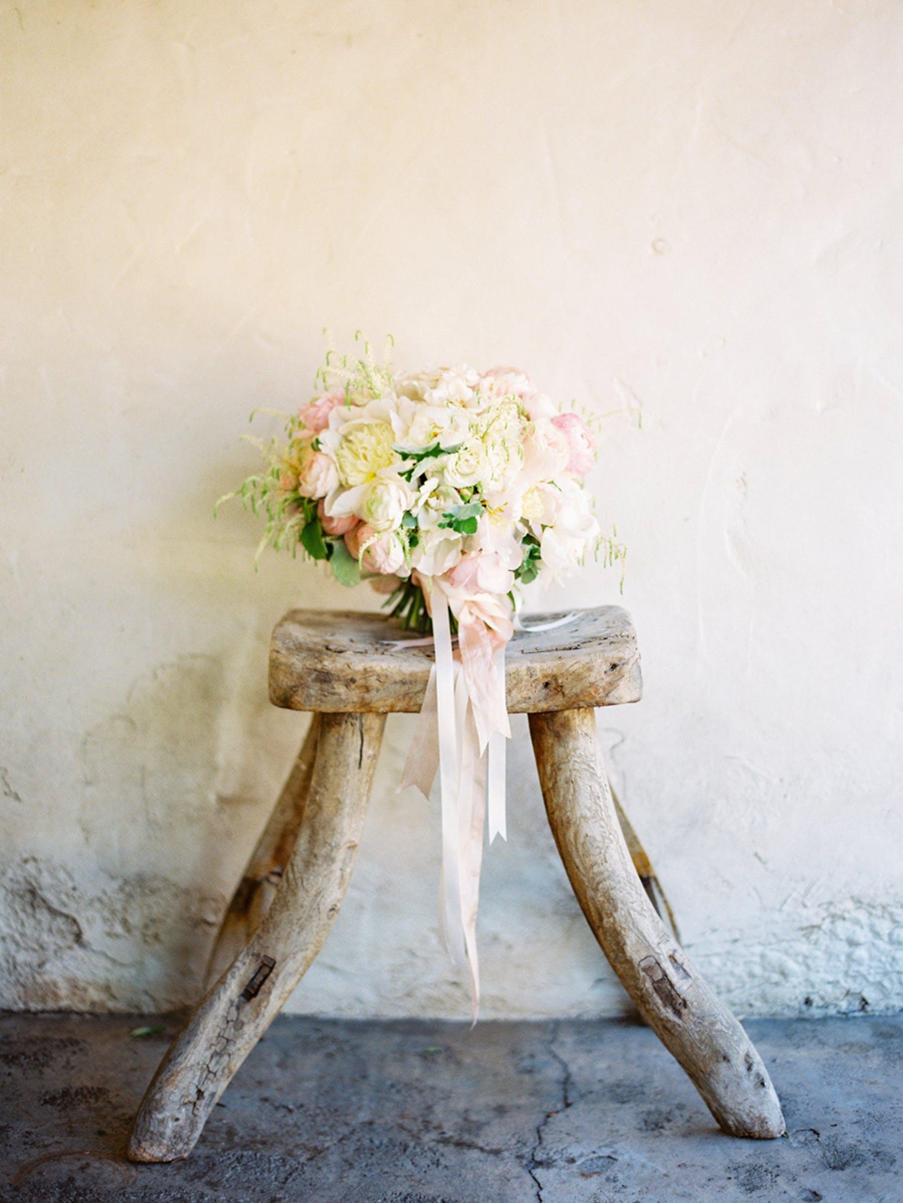 www.santabarbarawedding.com | Michael + Anna Costa Photography | San Ysidro Ranch | Twine Events | Coco Rose Design | Bride's Bouquet