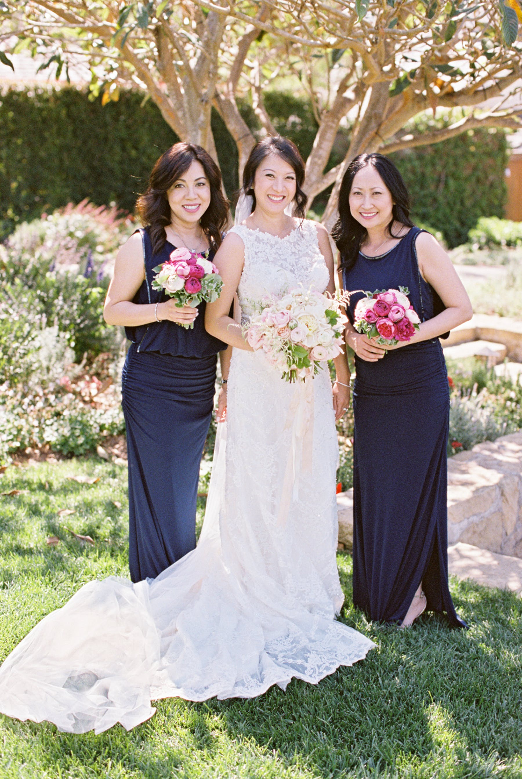 www.santabarbarawedding.com | Michael + Anna Costa Photography | San Ysidro Ranch | Twine Events | Laundry by Shellie Segal | Bride and Bridesmaids