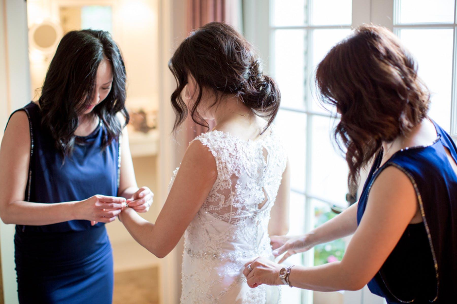 www.santabarbarawedding.com | Michael + Anna Costa Photography | San Ysidro Ranch | Twine Events | Maggie Sottero | Bride Getting Ready
