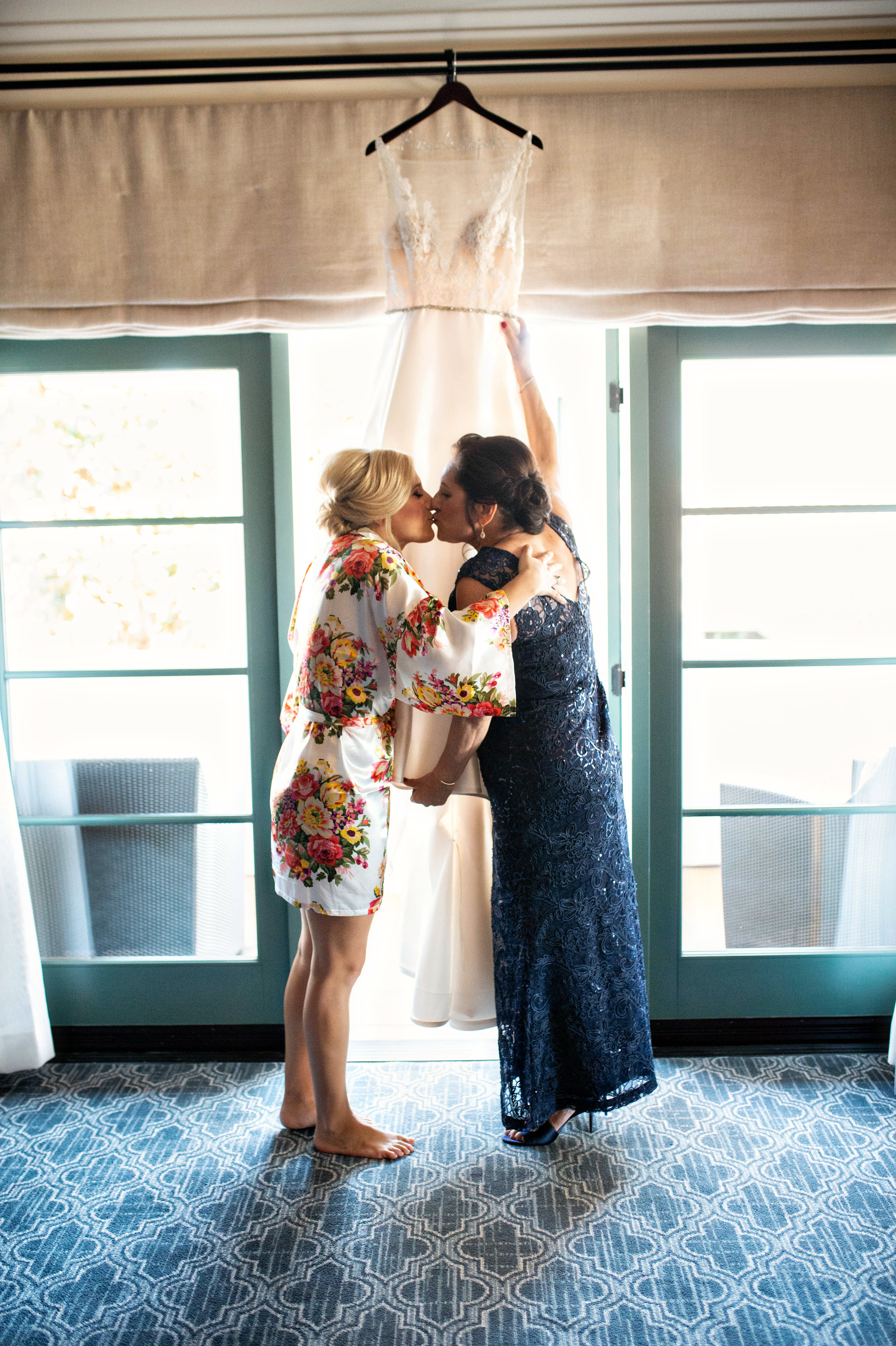 www.santabarbarawedding.com | Laurie Bailey | Ojai Valley Inn | Amber Weir Weddings & Events | Luna Bella | Bride and Mother Embrace Before Ceremony