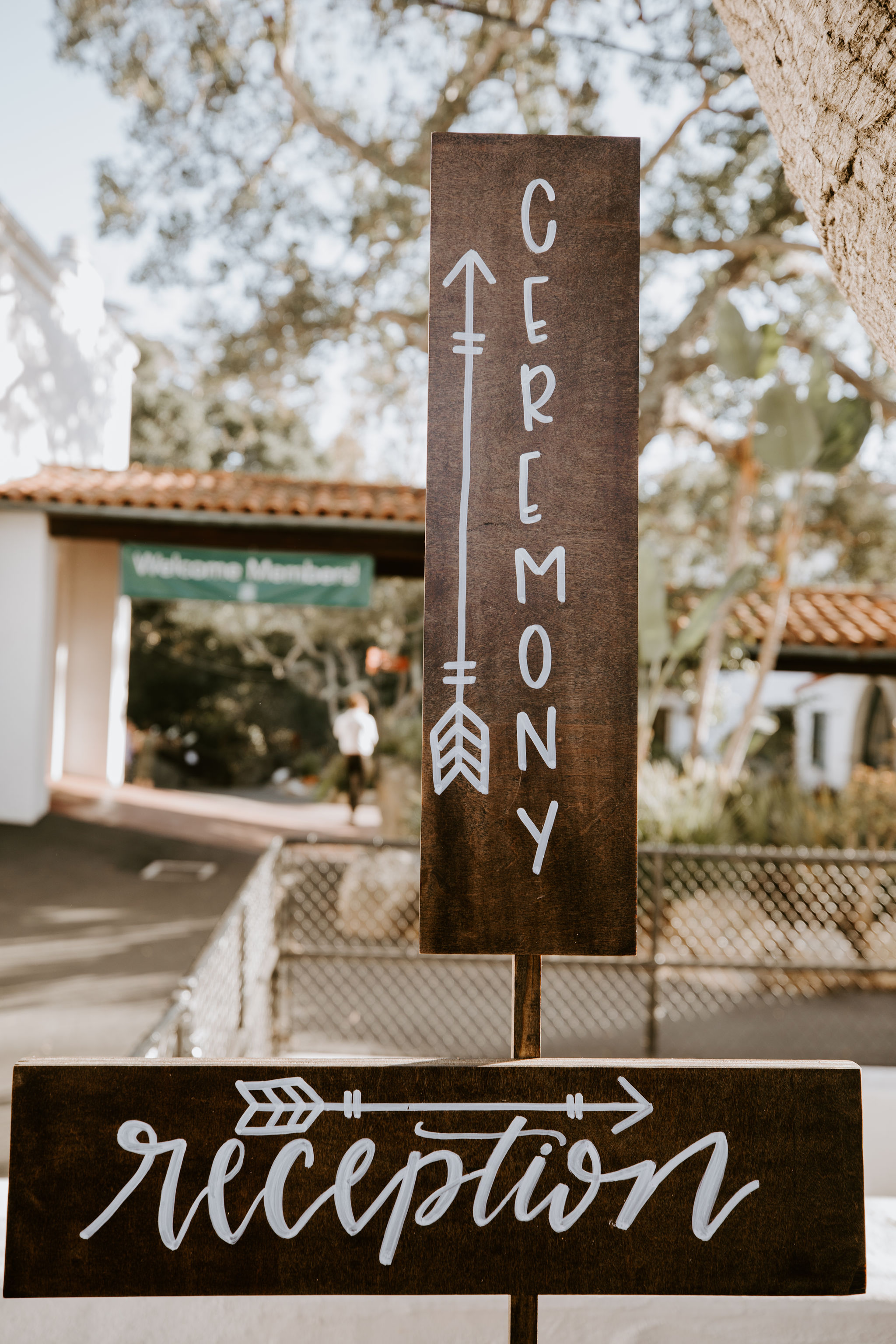 www.santabarbarawedding.com | Geoff and Lyndsi Photography | Santa Barbara Museum of Natural History | Jamie Mangone of LuJane Events | Directional Signs