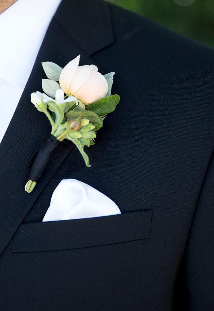 www.santabarbarawedding.com | Kristen Beinke | San Ysidro Ranch | Alexandra Kolendrianos | TOAST | Groom's Boutonniere