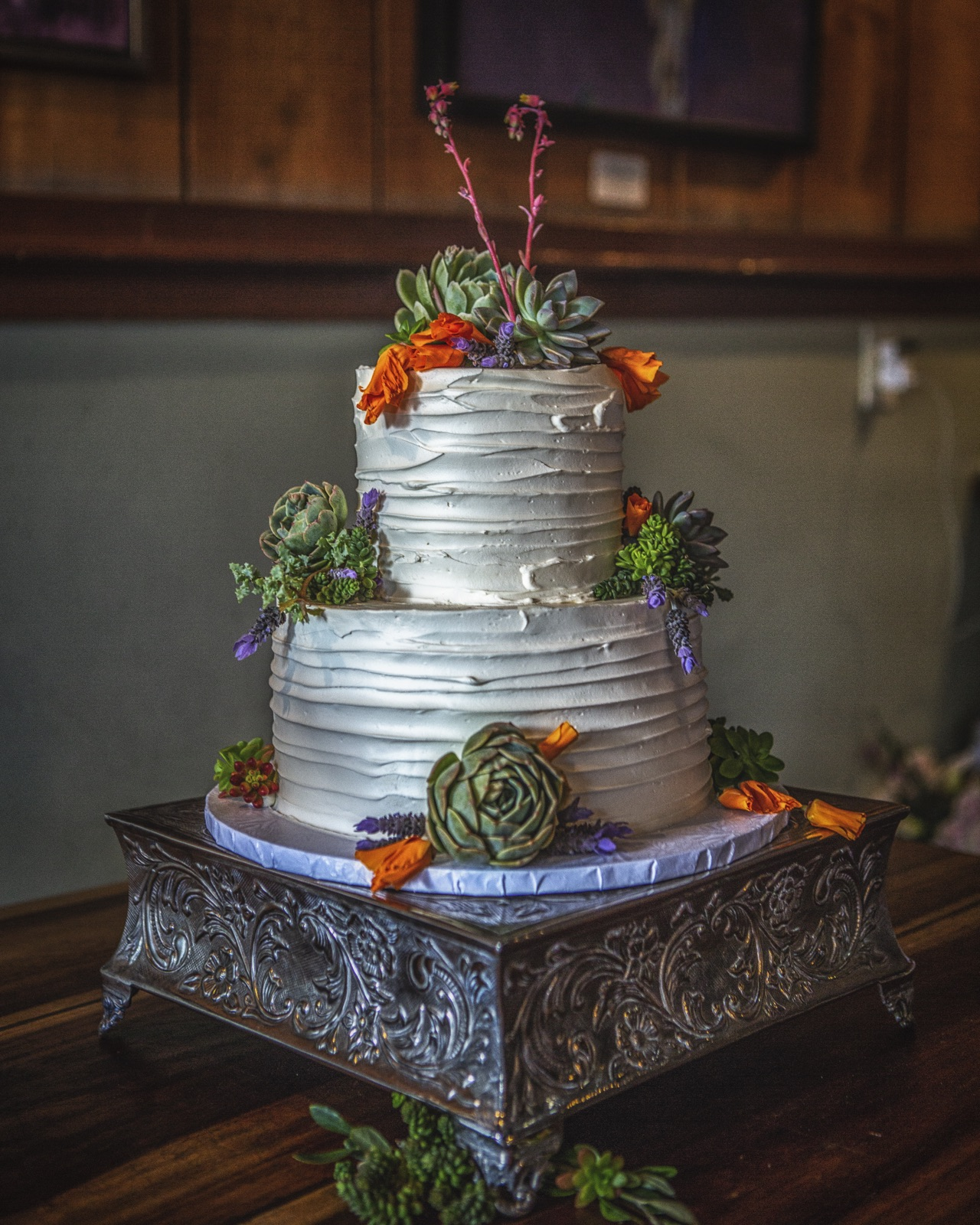 www.santabarbaraweddings.com | Jeffrey Bloom Photography | Full of Life Flatbread | Wedding Cake