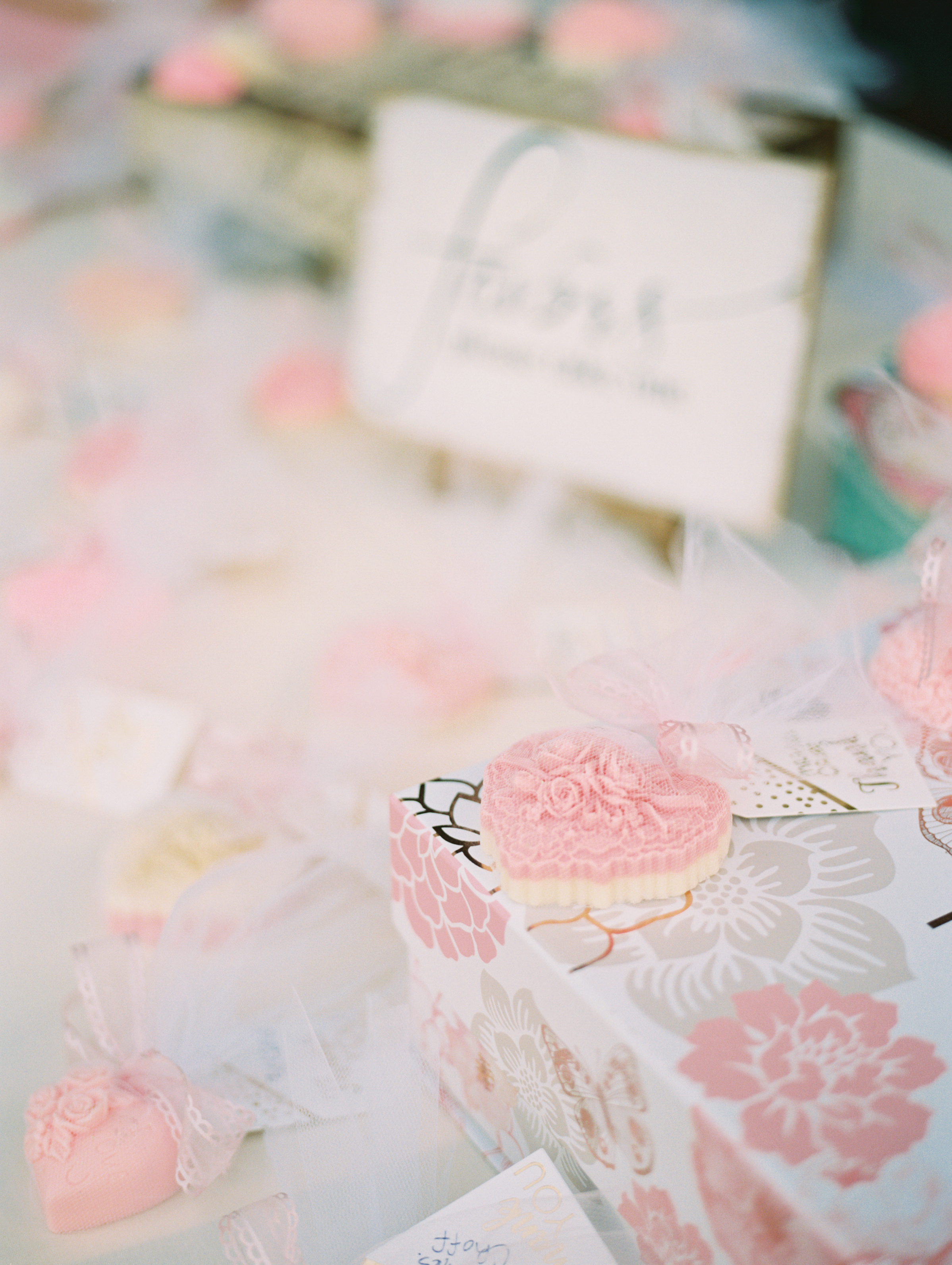www.santabarbarawedding.com | Ryanne Bee Photography | The Santa Barbara Club | Gifts for the Bride and Groom's Guests
