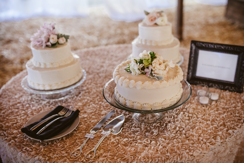www.santabarbarawedding.com | The Gathering Season | Dos Pueblos Ranch | Joelle Charming | Twig & Twine | Town and Country | La Tavola | Wedding Cake