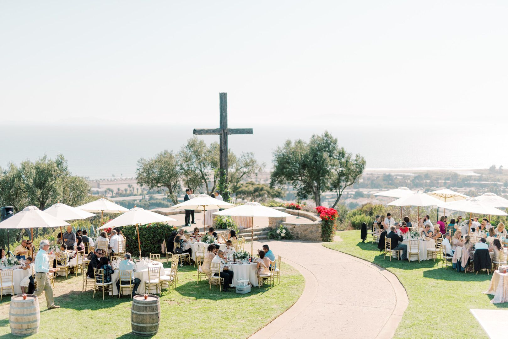wwww.santabarbawedding.com | Planner: Vintage Heart Events | Ceremony Venue: Serra Cross Park | Photographer: Haley Richter Photography | Reception Dinner Site