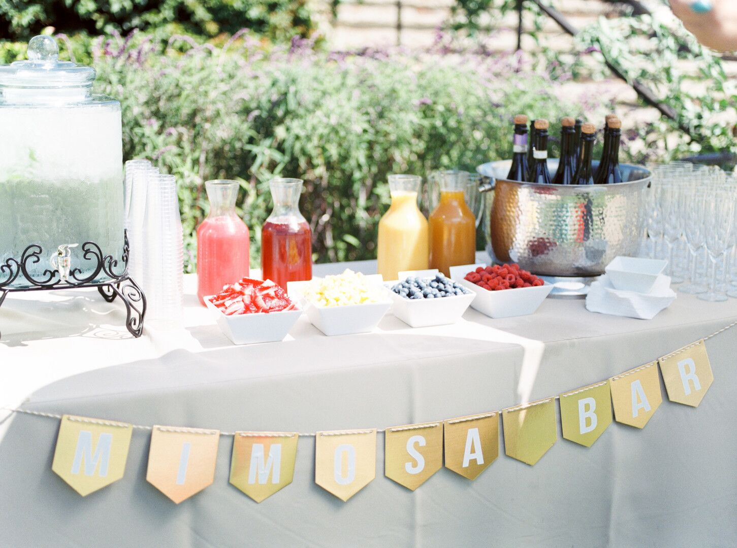 wwww.santabarbawedding.com | Planner: Vintage Heart Events | Ceremony Venue: Serra Cross Park | Photographer: Haley Richter Photography | Mimosa Bar