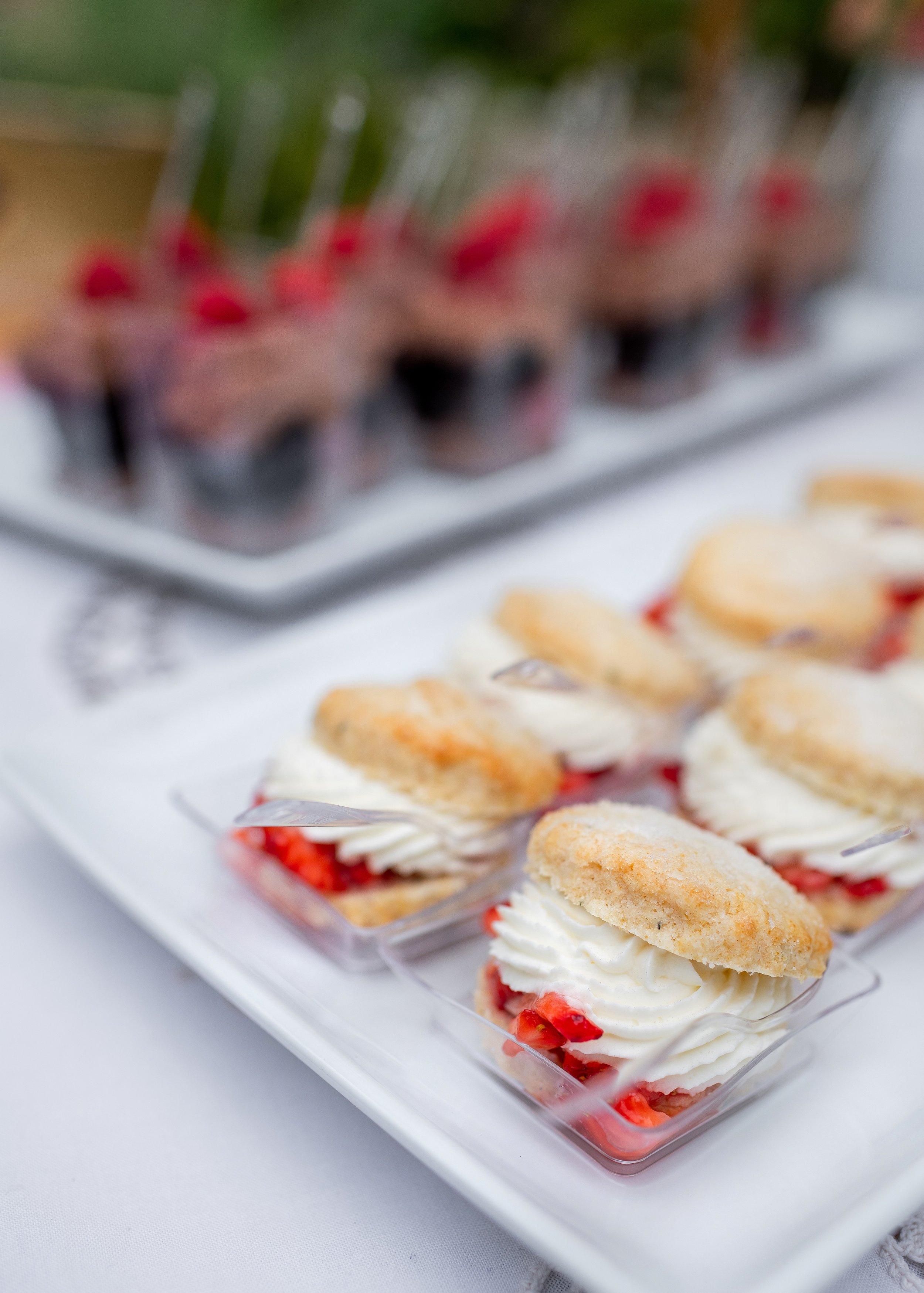 www.santabarbarawedding.com | Willa Kveta Photography | Santa Barbara Classic Weddings | Officiant Event | Dessert