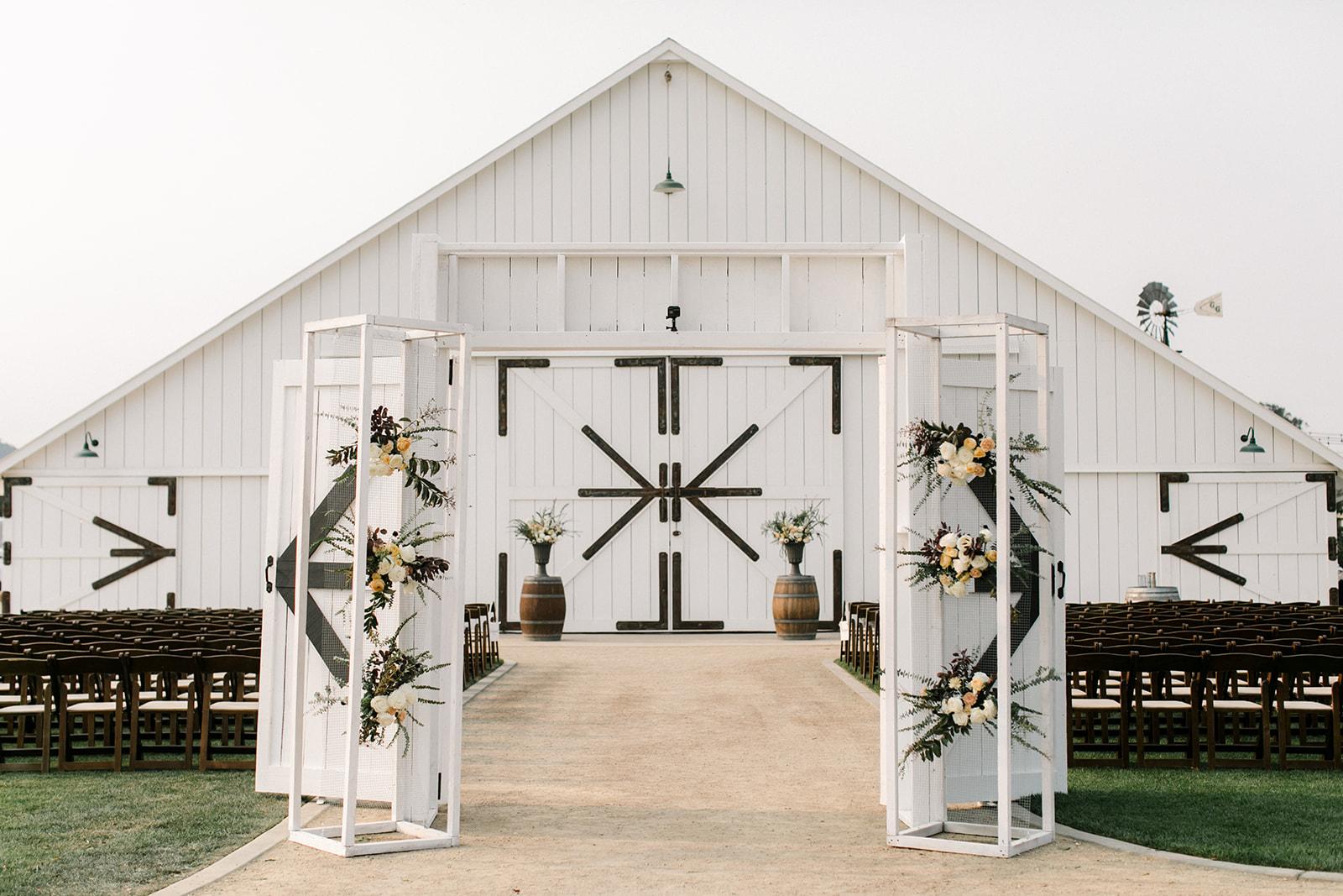 www.santabarbarawedding.com | The White Barn | Location Spotlight | Anna Delores Photography
