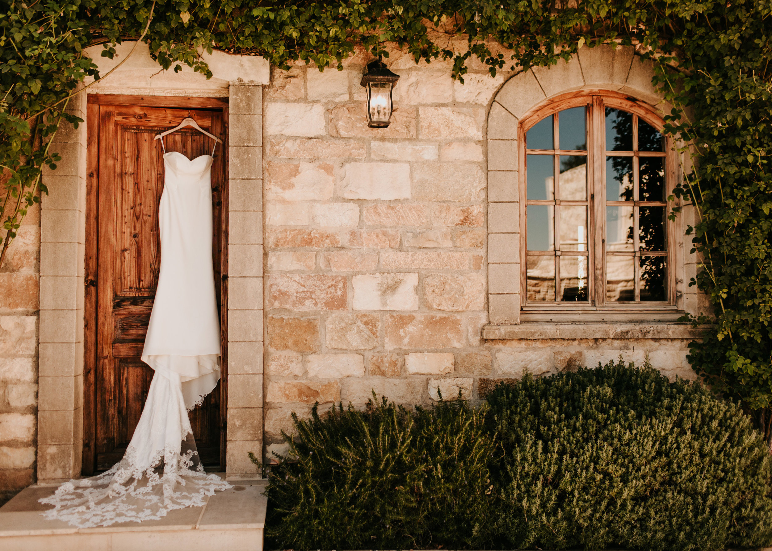 www.santabarbarawedding.com | Alexandria Monette Photography | Sunstone Villa | Soleil Events | Bride's Wedding Gown