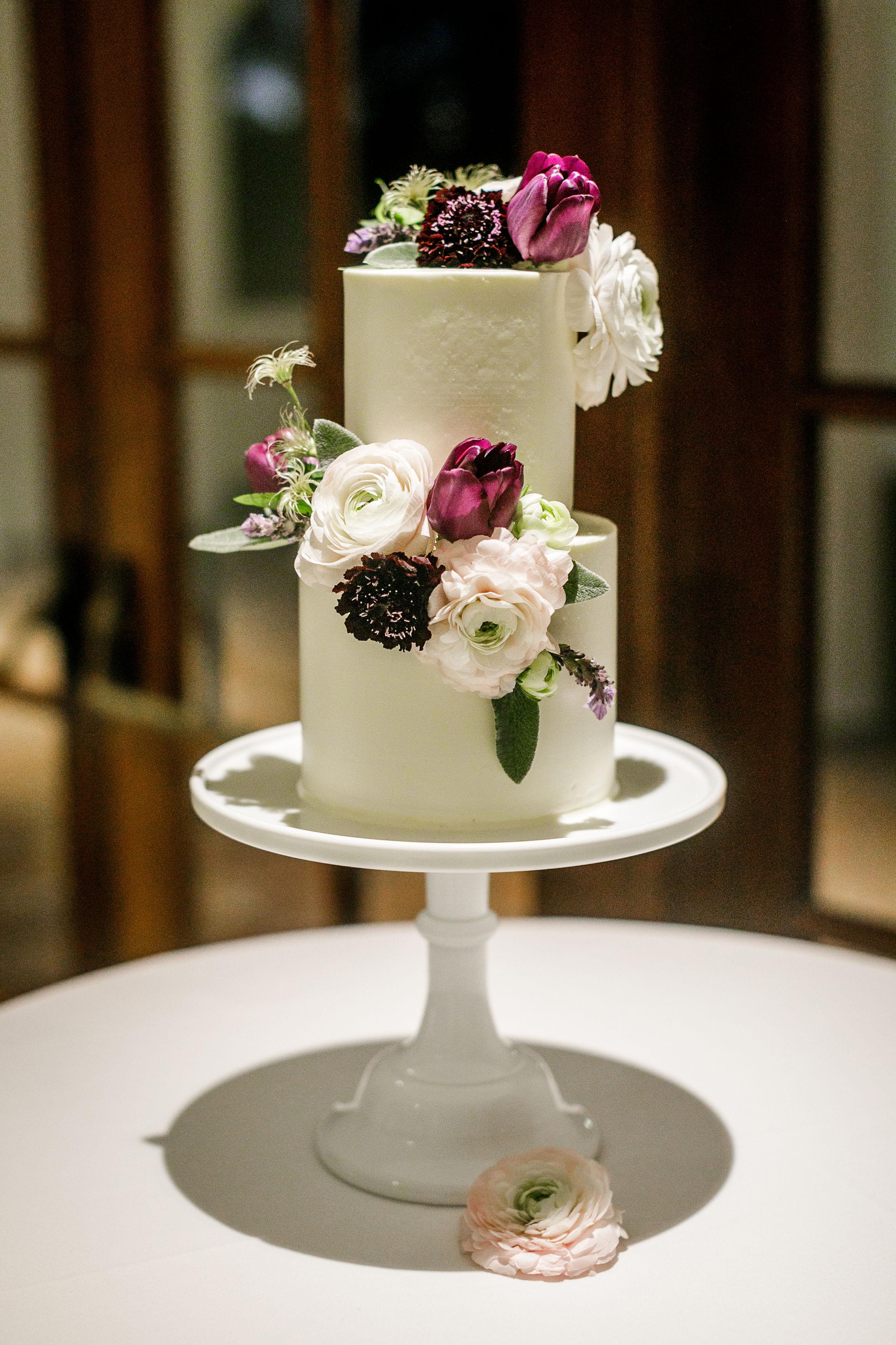 www.santabarbarawedding.com   Kiel Rucker Photography   The Ritz Carlton Bacara   Event of the Season   Cody Floral Design   Wedding Cake