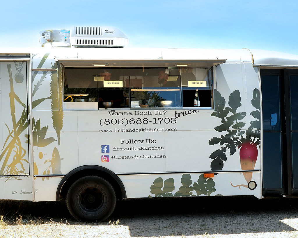 www.santabarbarawedding.com | Zaca Creek Ranch Happy Hour | Keith Munyan Photography | Food Truck