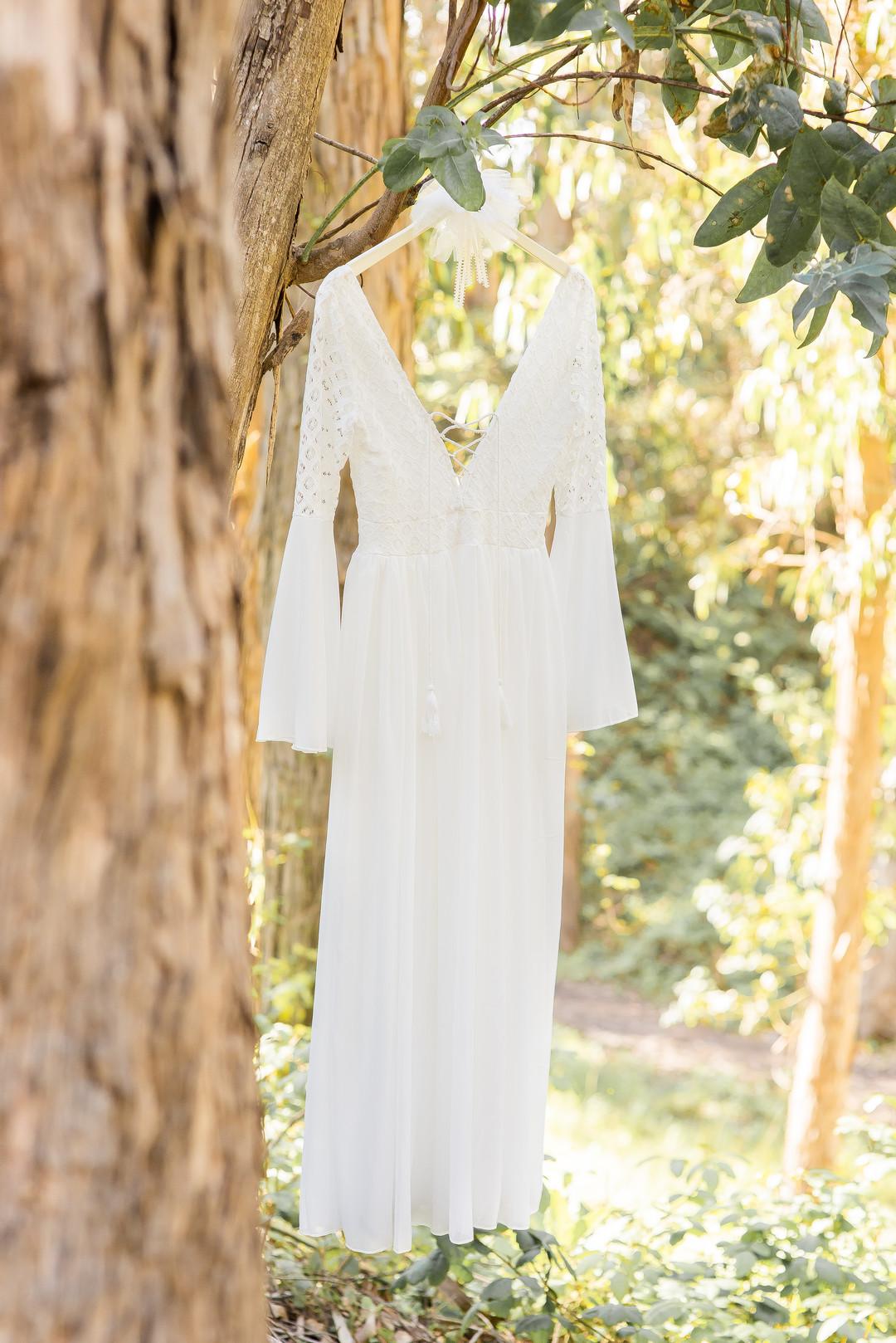 www.santabarbarawedding.com   Staci and Michael Photography   Montana de Oro State Park   Wedding dress