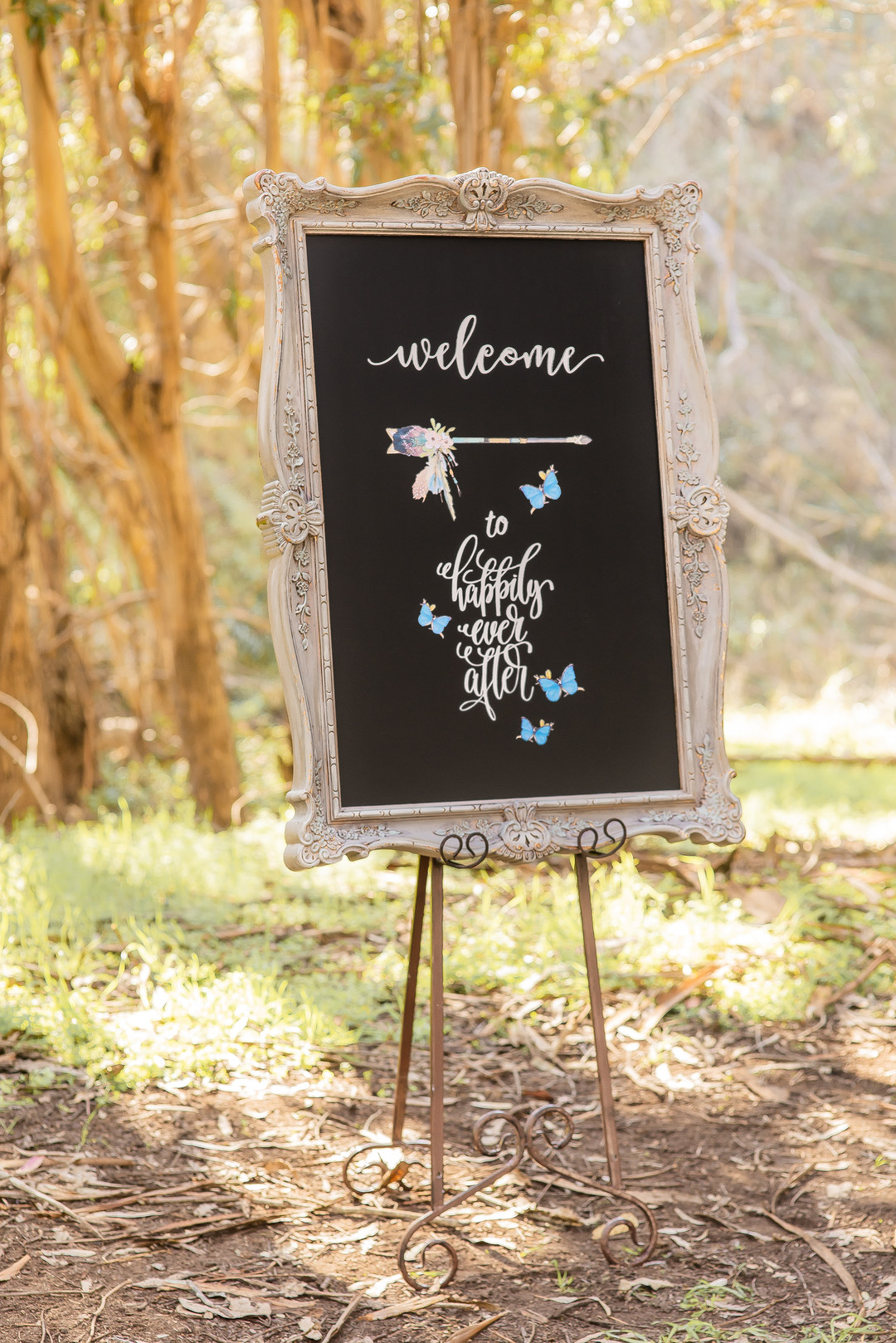 www.santabarbarawedding.com   Staci and Michael Photography   Montana de Oro State Park   The Blue Farmhouse   Wedding welcome sign