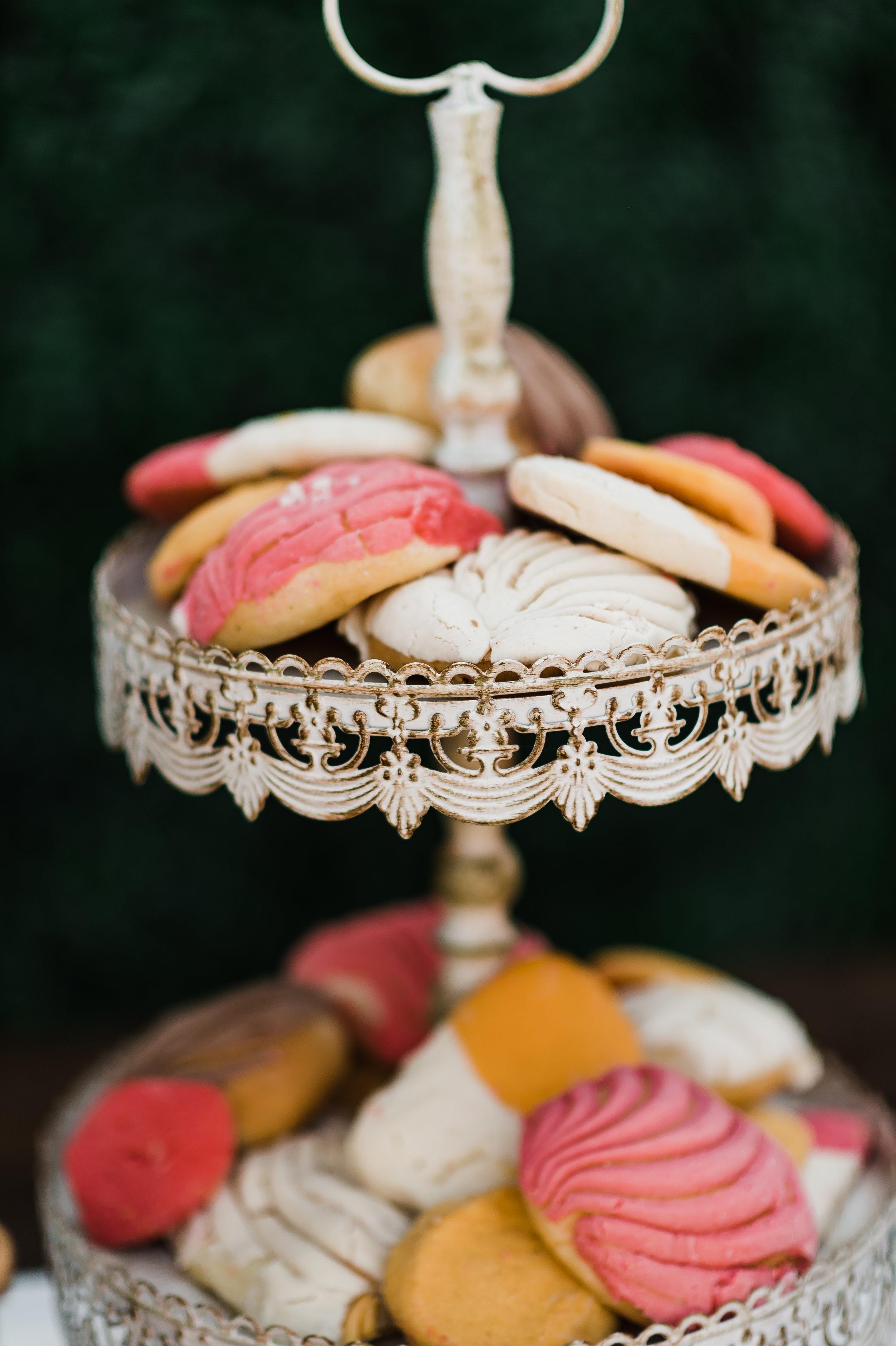 www.santabarbarawedding.com | Michelle Ramirez Photography | Olivas Adobe | Karen Marie Events | Tangled Lotus | Sweet D's Cakes | Wedding Cake and Desserts