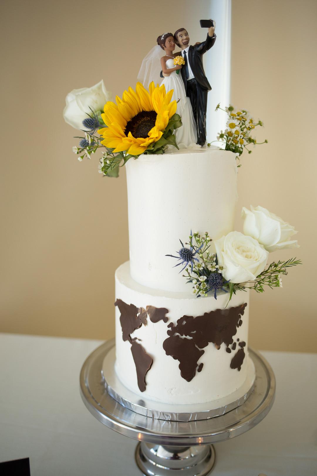 www.santabarbarawedding.com | Renoda Campbell | Weddings by Bobbie | Ventana Grill Events | Wedding Cake