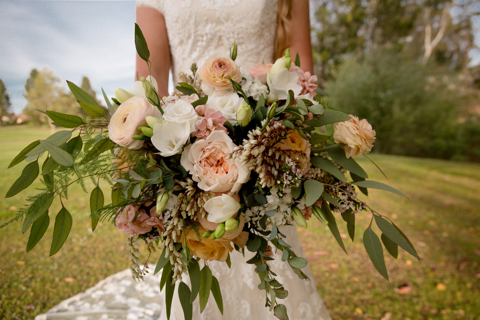 www.santabarbarawedding.com | SLO Town Studios | Black Lake Golf Course | Flowers by Denise | bridal bouquet