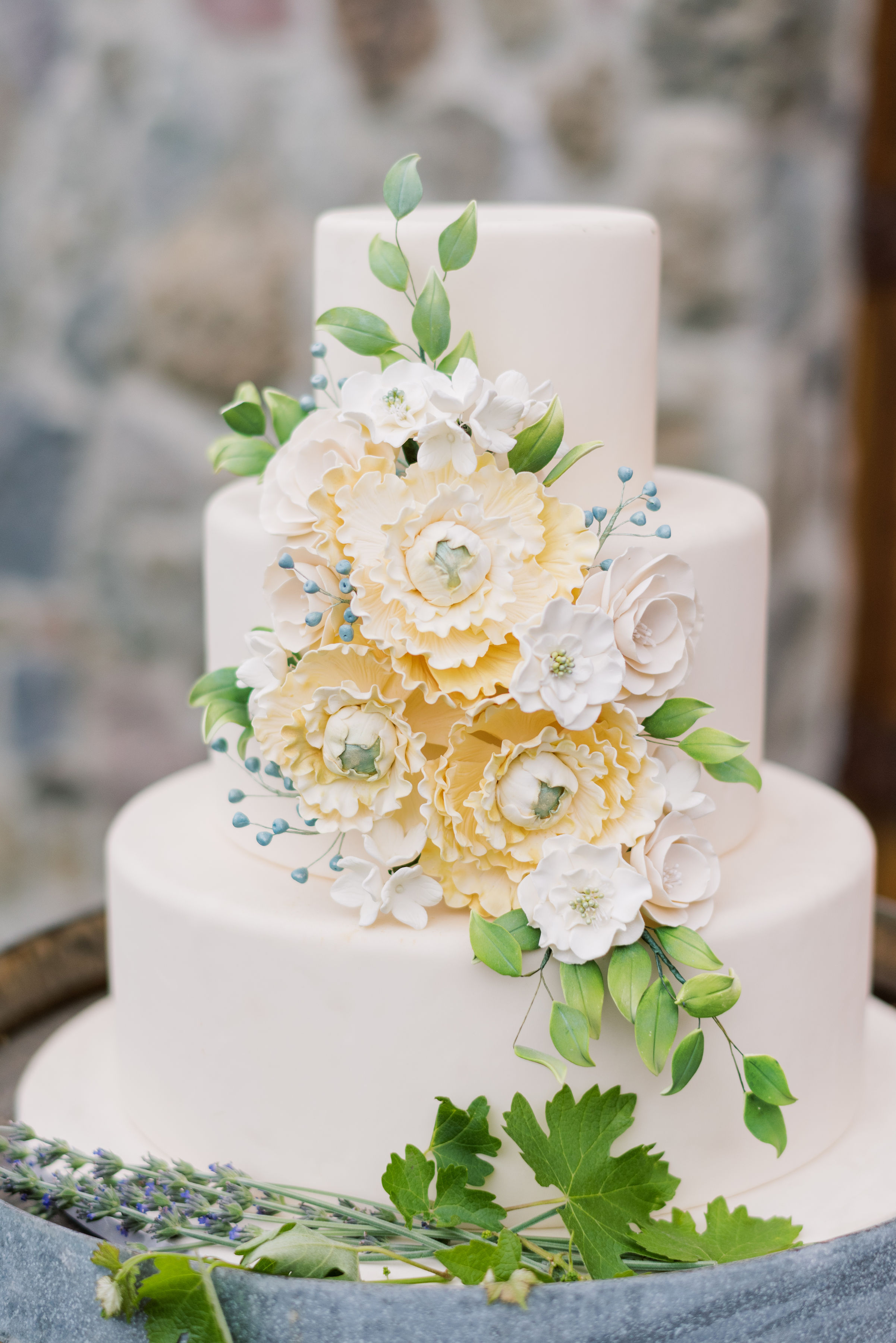 www.santabarbarawedding.com   Luxe Linen