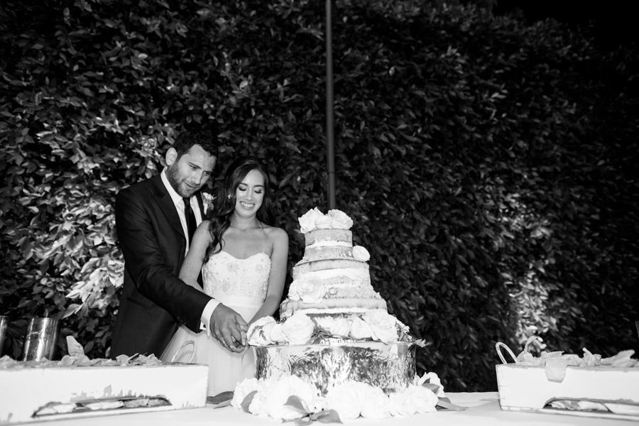 www.santabarbarawedding.com | Michael + Anna Costa Photography | Butterfly Lane Estate | Soigne Productions | Bella Vista Designs | Crushcakes | Bride and Groom Cutting the Cake