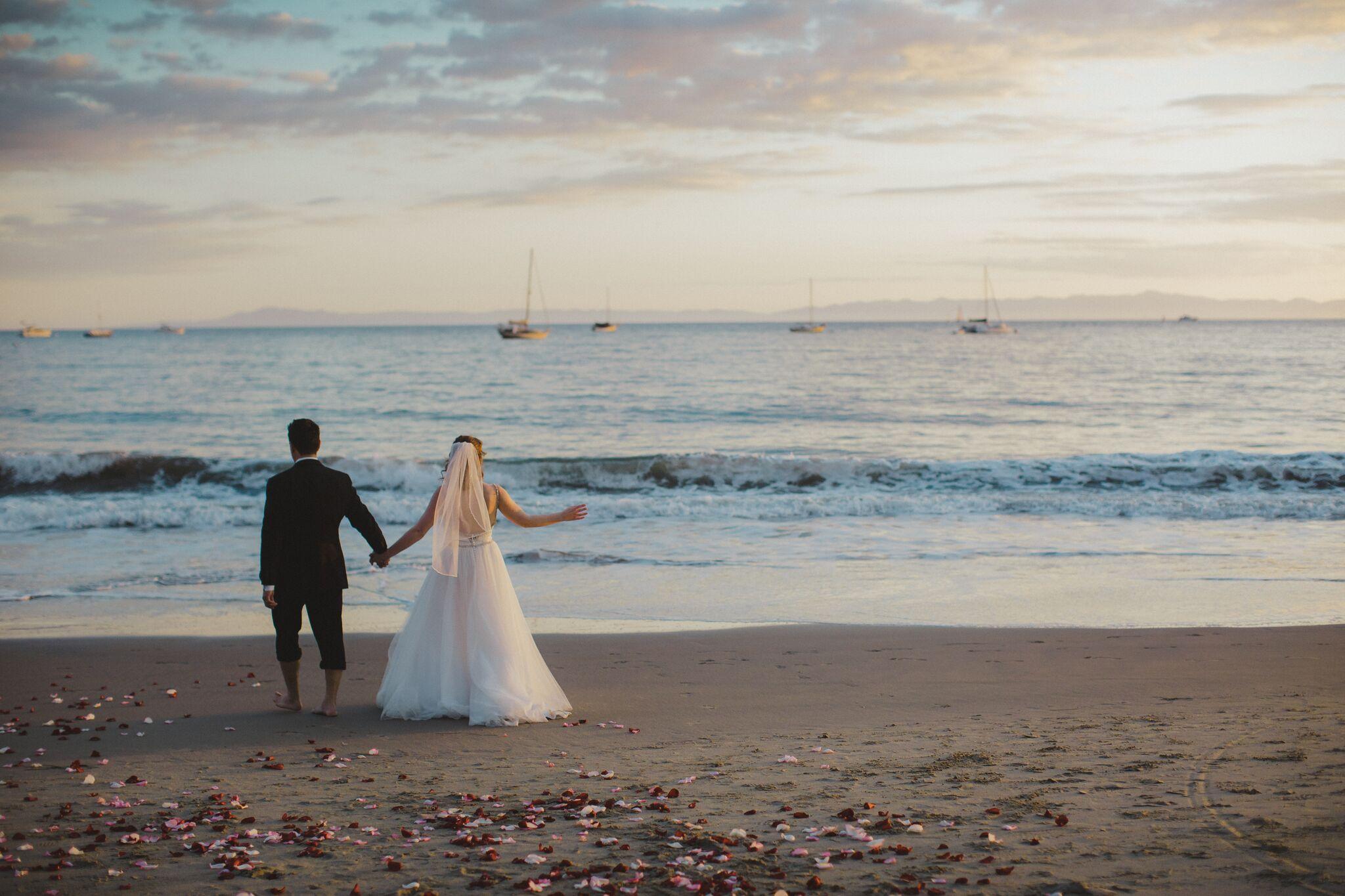www.santabarbawedding.com | Venue: Santa Barbara Courthouse | Photography: Ryanne Bee Photography | Officiant: Santa Barbara Classic Weddings | Bride and Groom Overlooking the Ocean