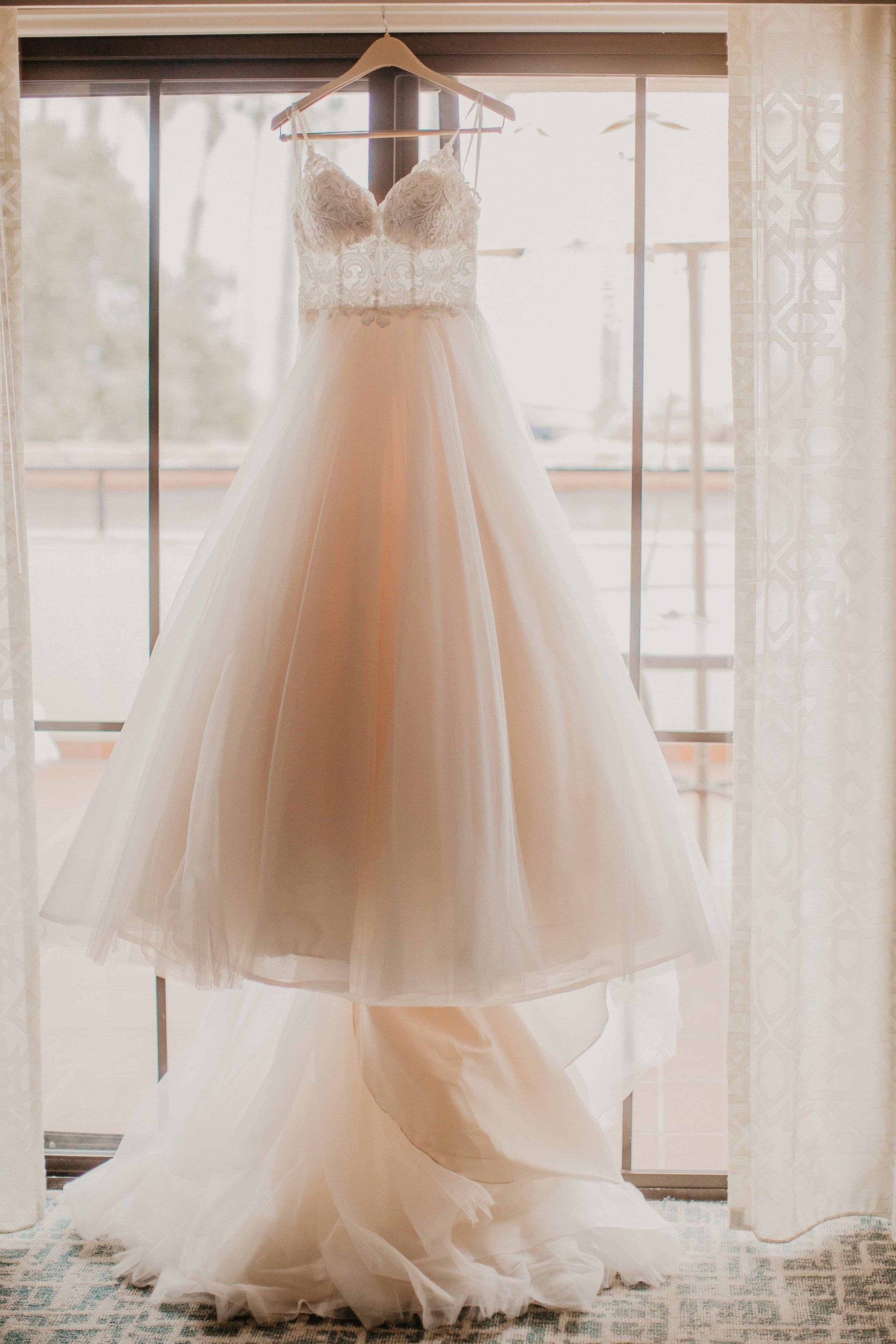 www.santabarbarawedding.com | Candice Marie Photography | Hilton Santa Barbara Beachfront Resort | Dalina Klan | Once in a Lifetime Weddings | Wedding Dress