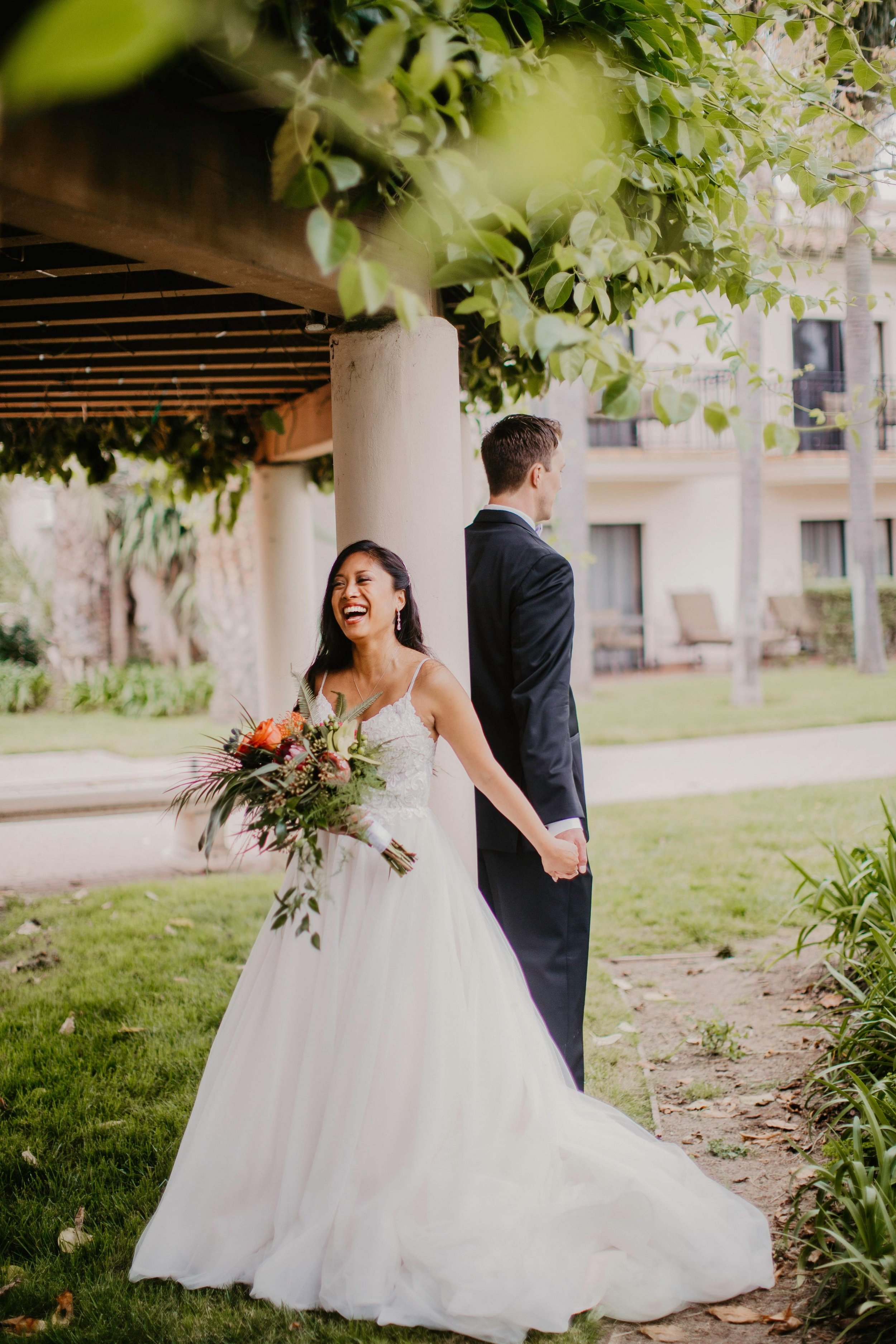 www.santabarbarawedding.com | Candice Marie Photography | Hilton Santa Barbara Beachfront Resort | Dalina Klan | Once in a Lifetime Weddings | Alpha Floral | Couple Before First Look