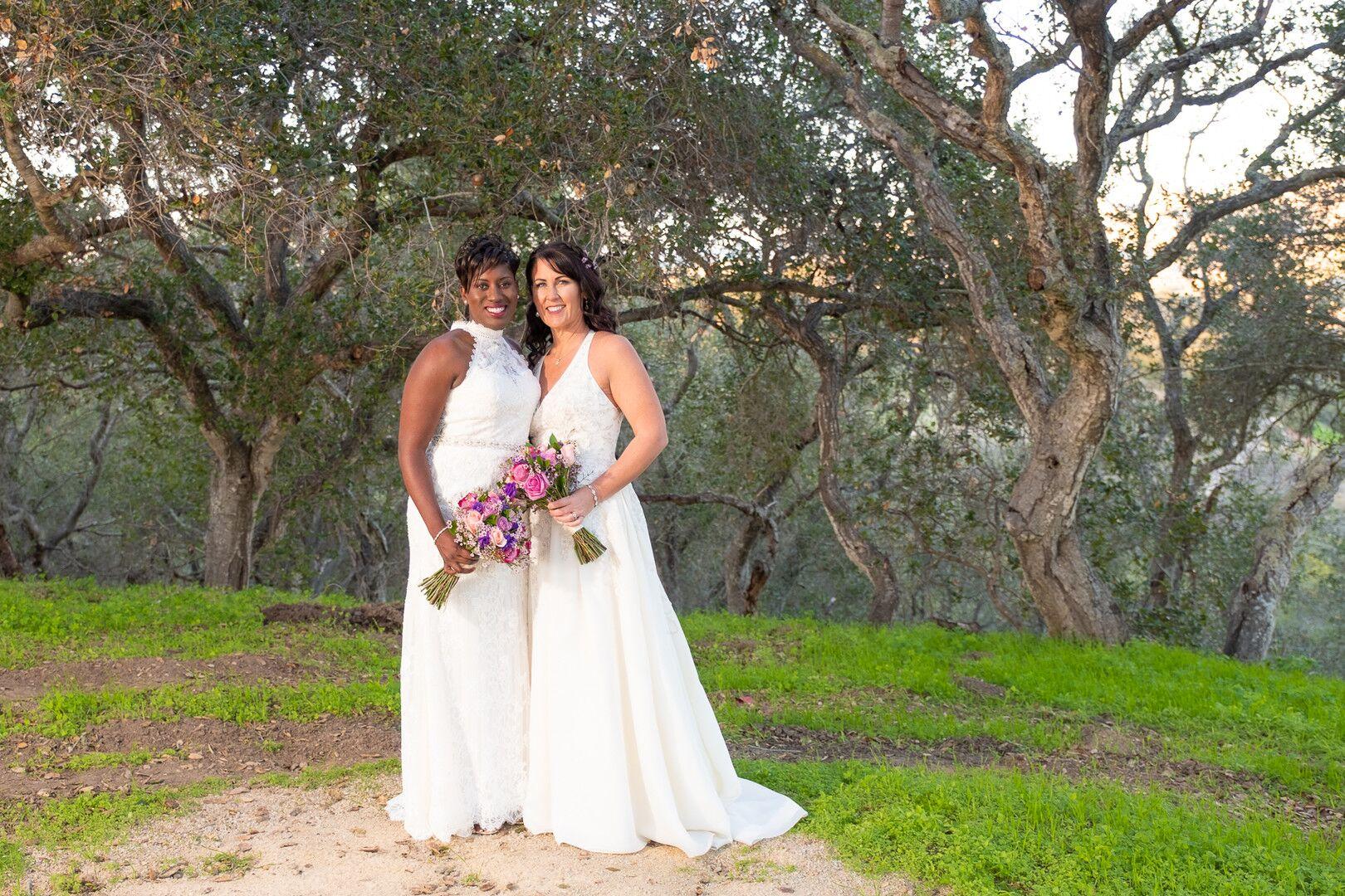 www.santabarbarawedding.com | Venue: The Casitas of Arroyo Grande | Photographer: Renoda Campbell Photography | Second Shooter: John Patrick Images |  Brides Posing