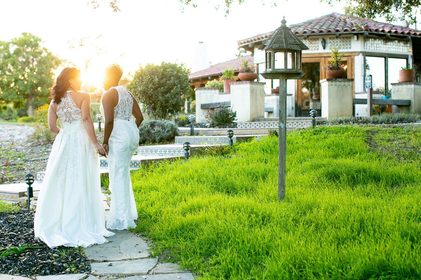 www.santabarbarawedding.com | Venue: The Casitas of Arroyo Grande | Photographer: Renoda Campbell Photography | Second Shooter: John Patrick Images |  Brides and Venue