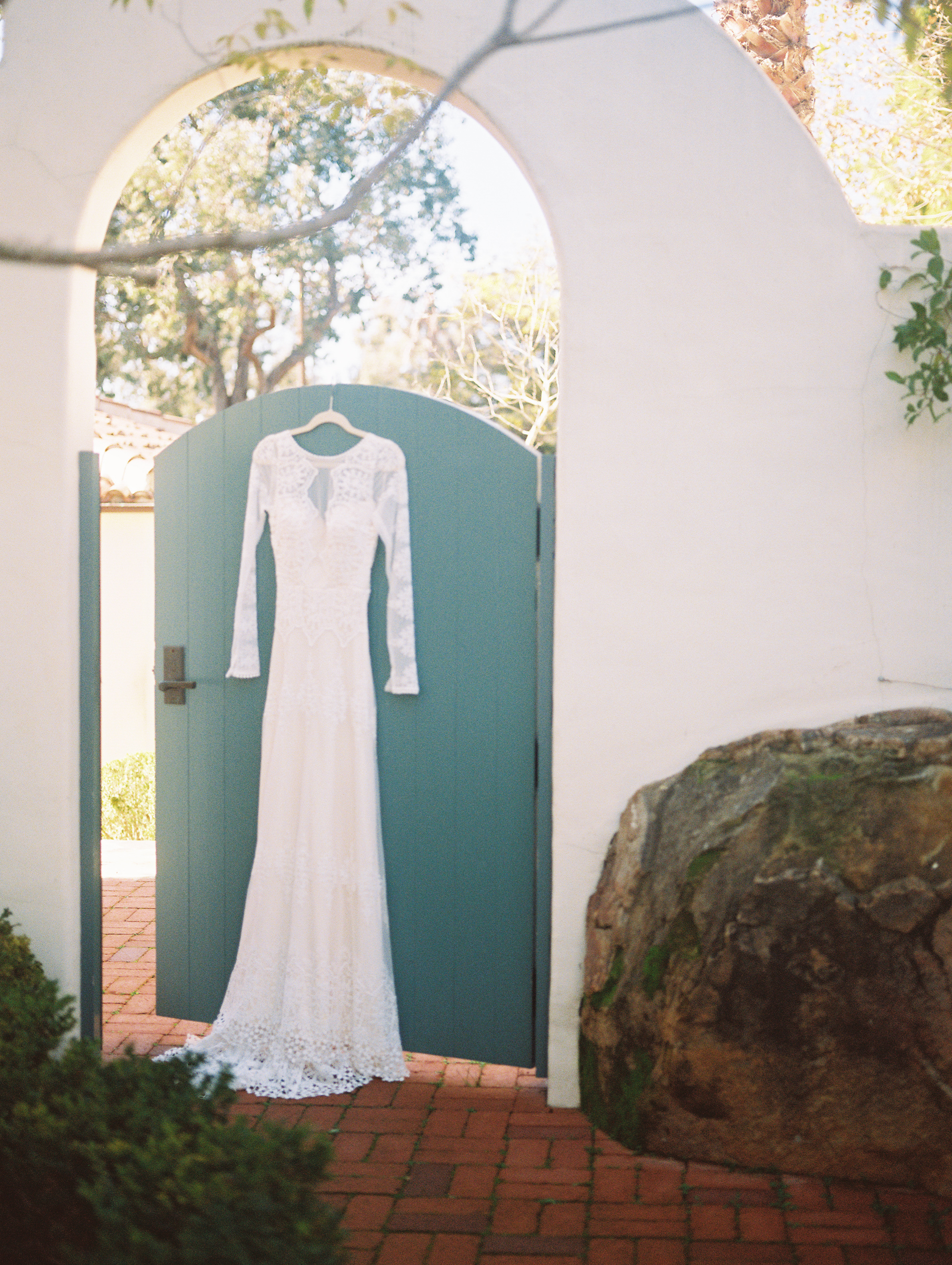 www.santabarbarawedding.com | Ryanne Bee Photography | Santa Barbara Courthouse | Belmond El Encanto | Dreamers and Lovers |  Bride's Wedding Gown