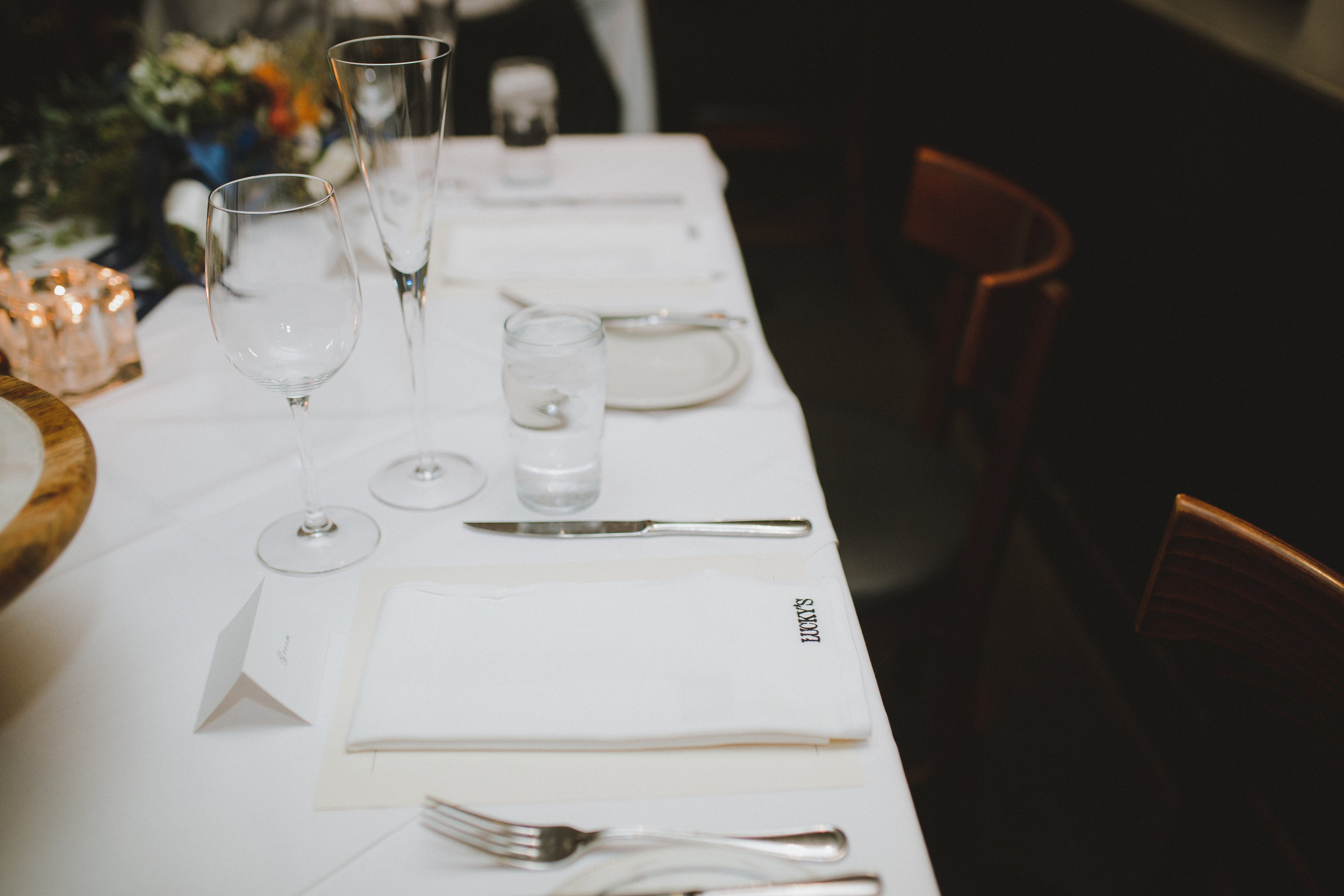 www.santabarbarawedding.com | Ryanne Bee Photography | Santa Barbara Courthouse | Lucky's in Montecito | Reception Tables