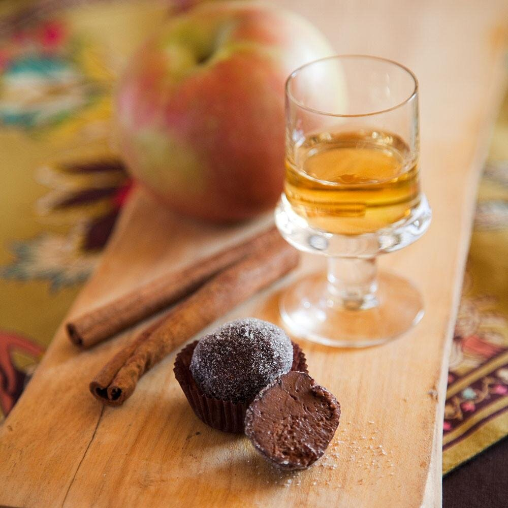 www.santabarbarawedding.com | Jessica Foster Confections | Milk Chocolate Cinnamon-Apple Truffles
