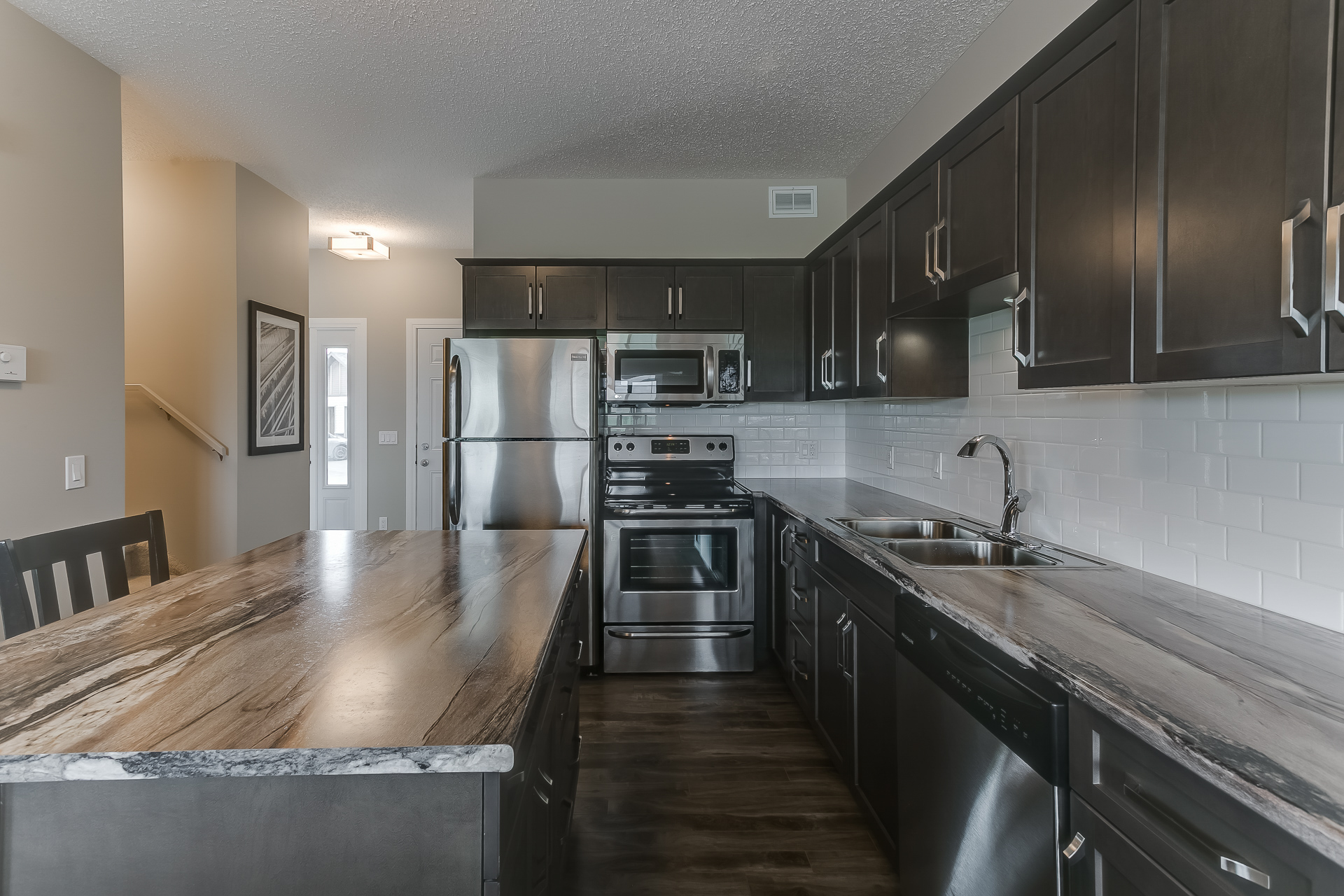 Kitchen Appliances and Features