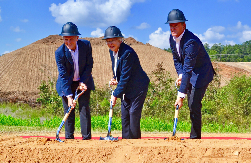 Breaking ground on the new Mercedes-Benz battery factory are, from left to right, Jason Hoff, president and CEO of MBUSI, Alabama Governor Kay Ivey and Markus Schafer, member of the divisional board of Mercedes-Benz Cars, Production and Supply Chain. Credit: Made in Alabama.