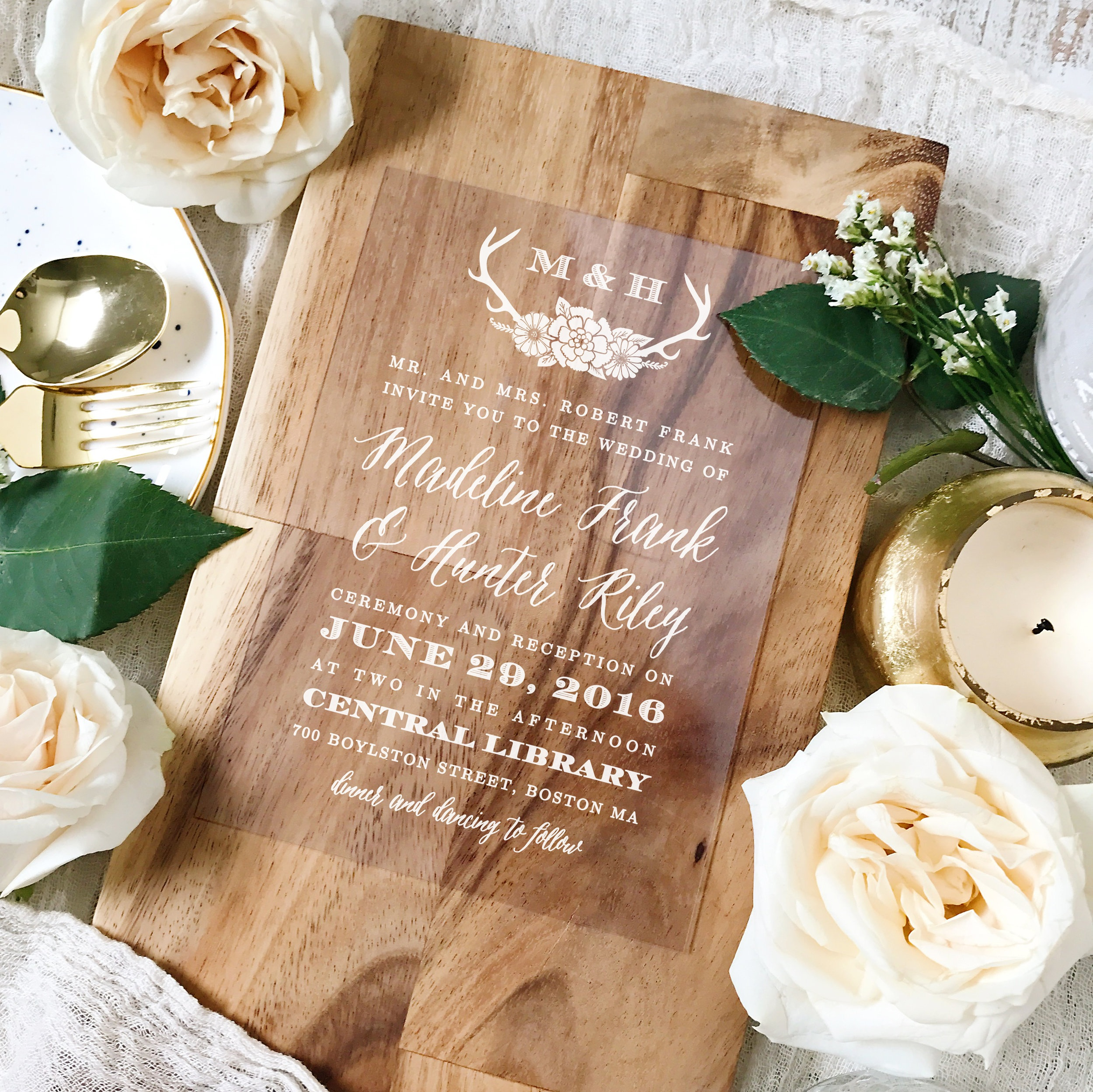Every invitation is also a part of a set, meaning you can create wedding menus, wedding programs and thank you cards that match perfectly.