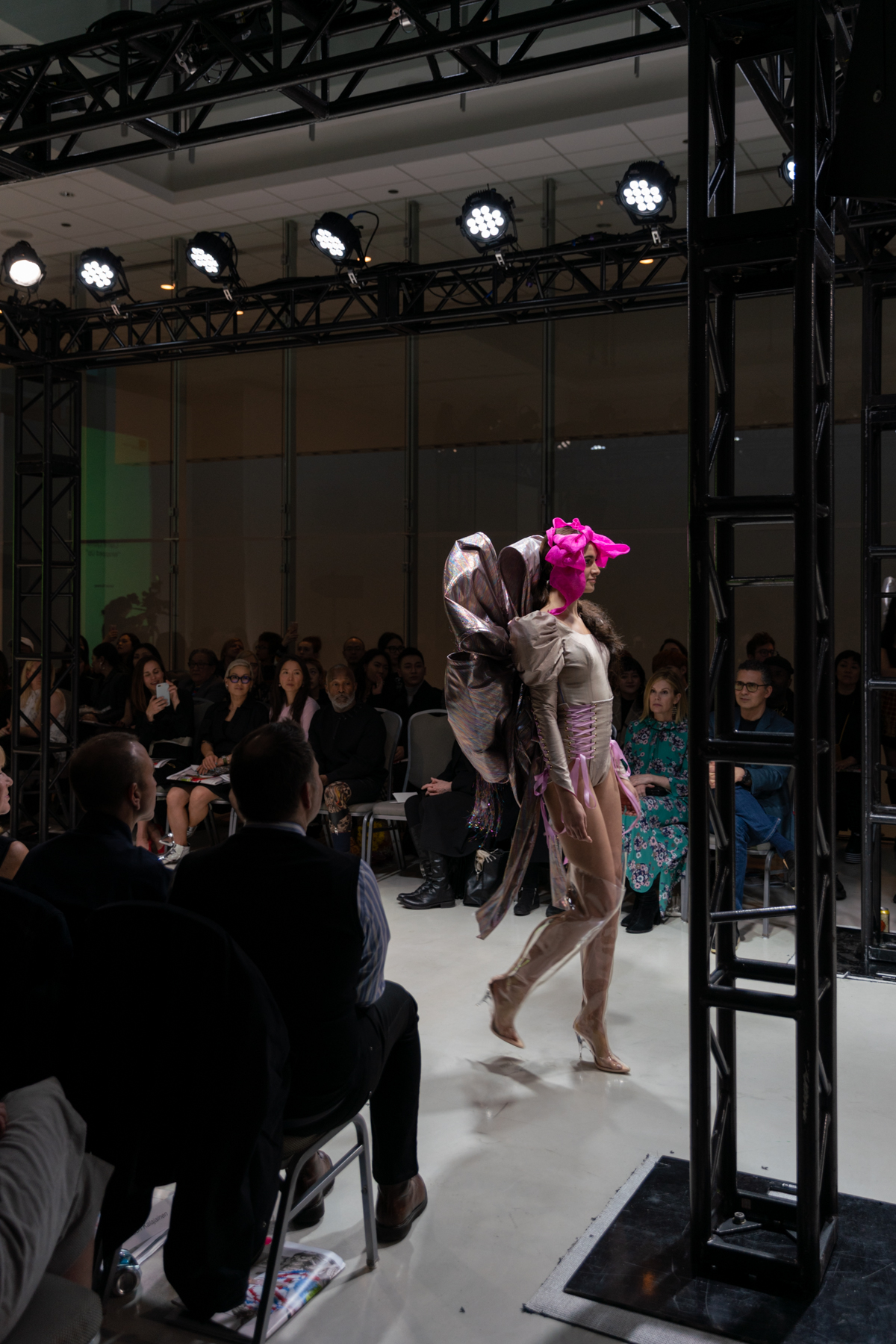 connor_fenwick_saic_fashion_event_lyons_04.jpg