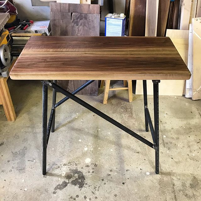 Top black walnut @t.alfeld_buildplusdesign bottom black steel @bonesweldinginc #catskillsmountains #hudsonvalley #athensny #leedsny #woodworking #designbuild