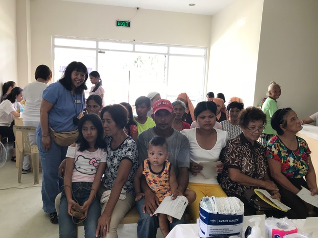 FNGH Founder, Florence Allbaugh With the patients.