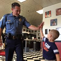 we met a real police officer!