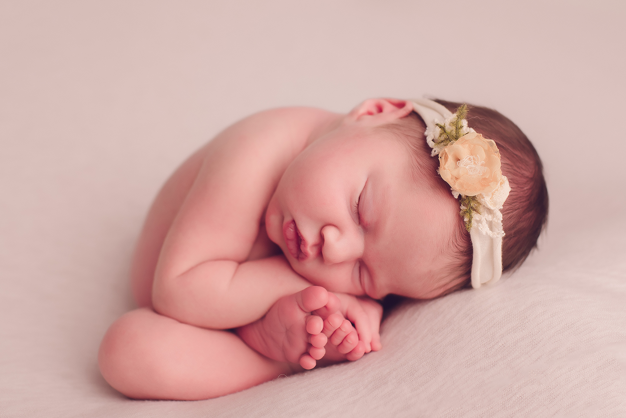Frances Tri-Cities Newborn photographer.jpg
