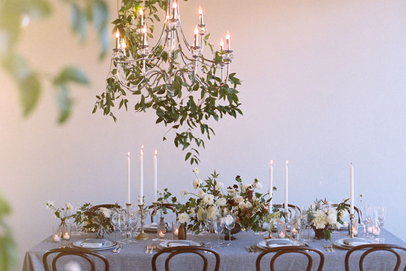Wedding Tablescape and vines over every table... omg....