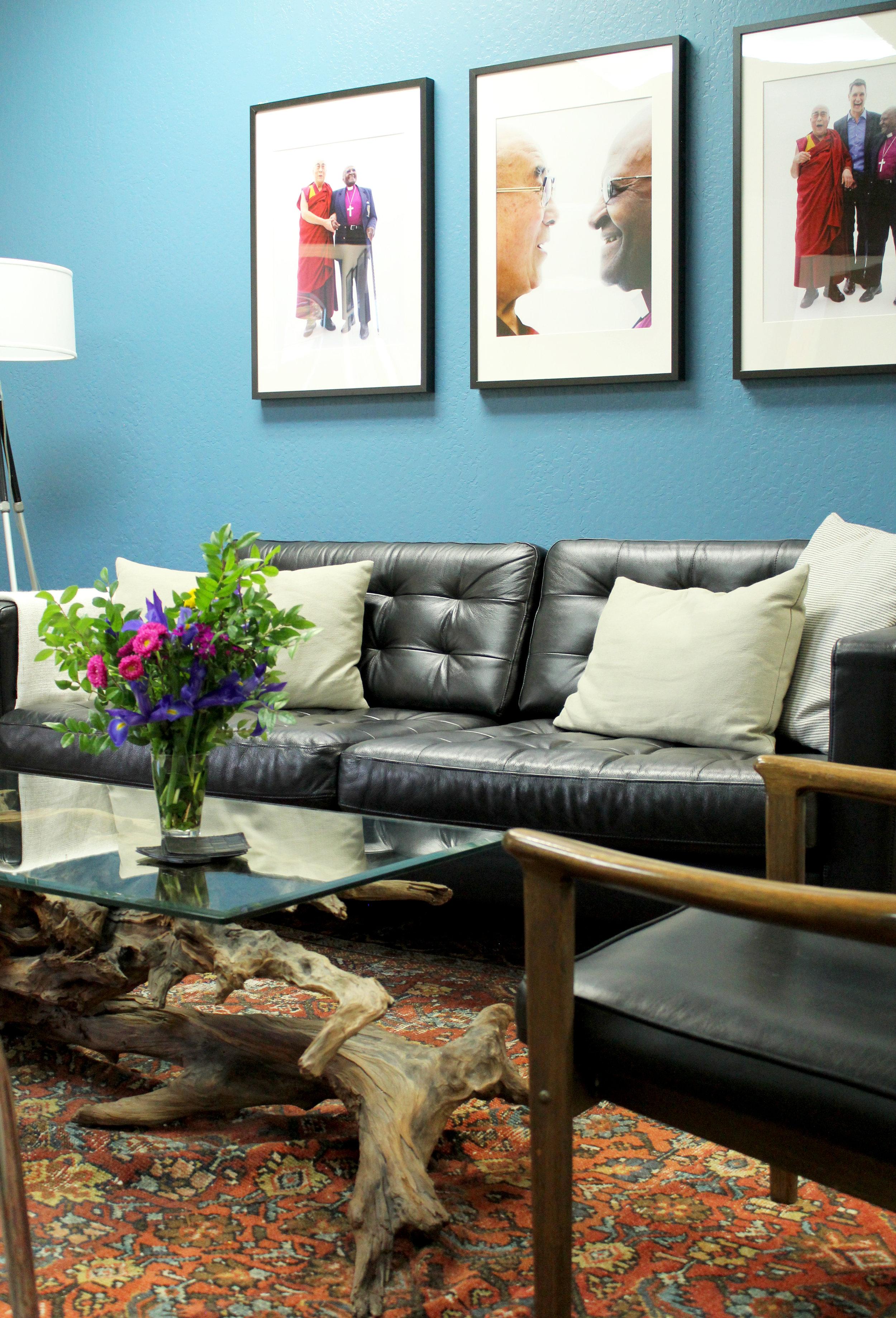 lobby sofa and table.jpg