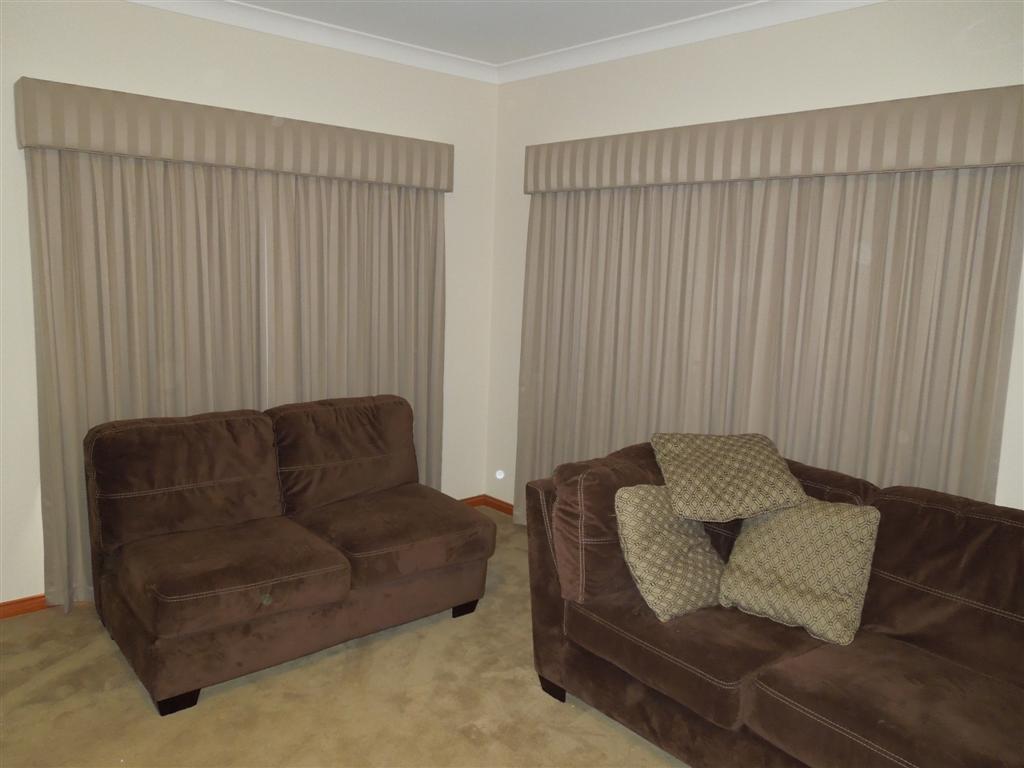 Curtains 916.jpg
