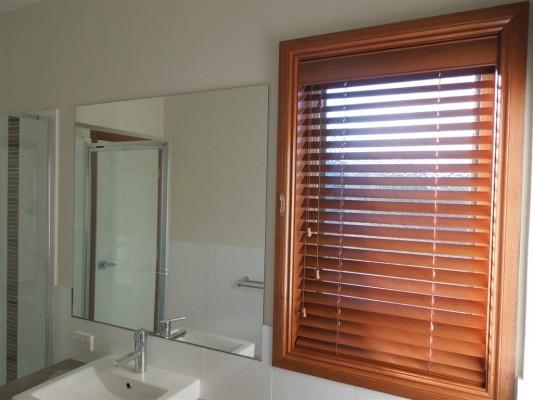 Curtains 422-533x400.jpg