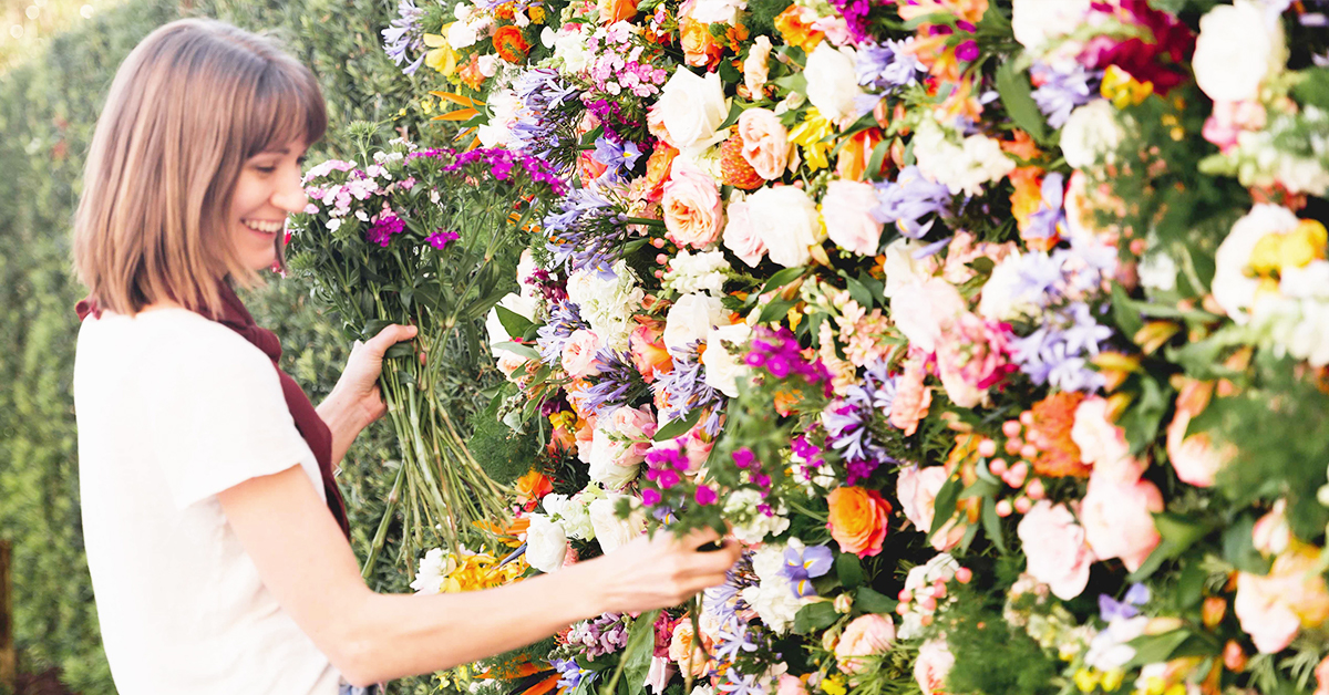 Here S How To Make A Flower Wall Step By Step