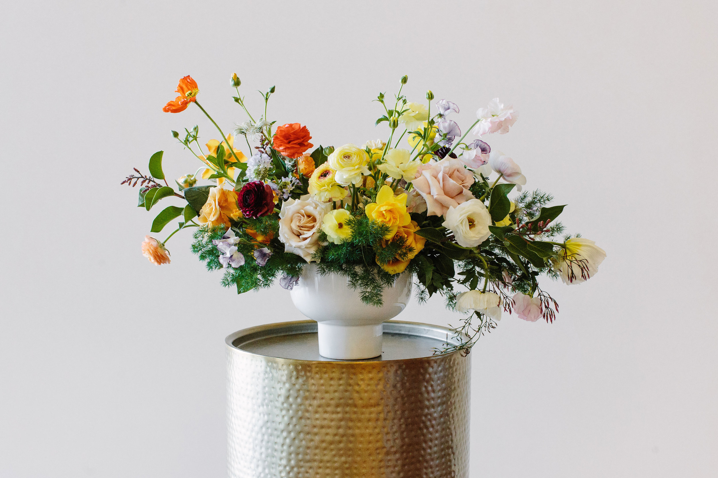 Design: @brambleandbee at the Team Flower Conference Photo: @hanhaston Container: Orion Compote from Accent Decor