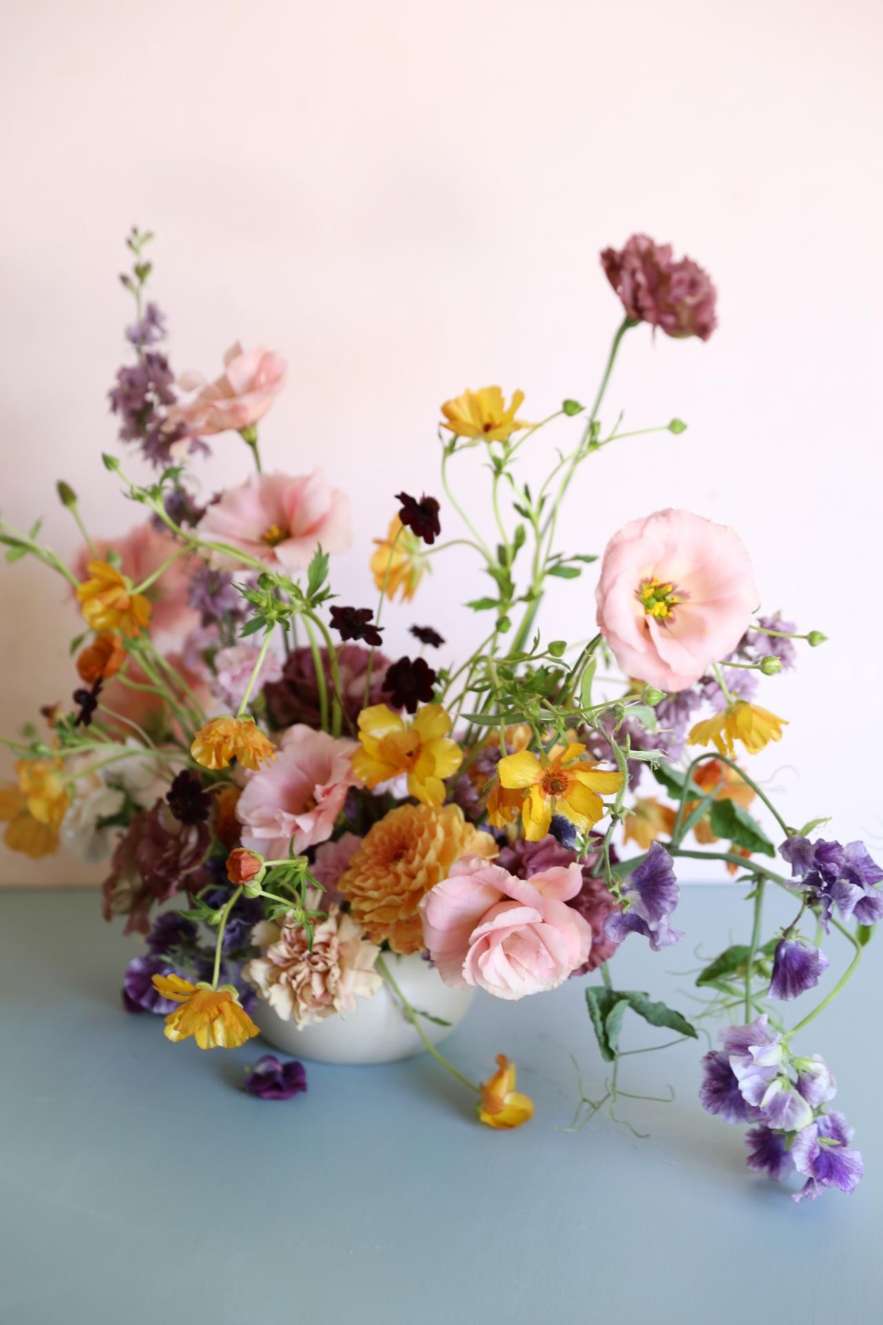 Oh Flora Studio _ Spring arrangement.JPG